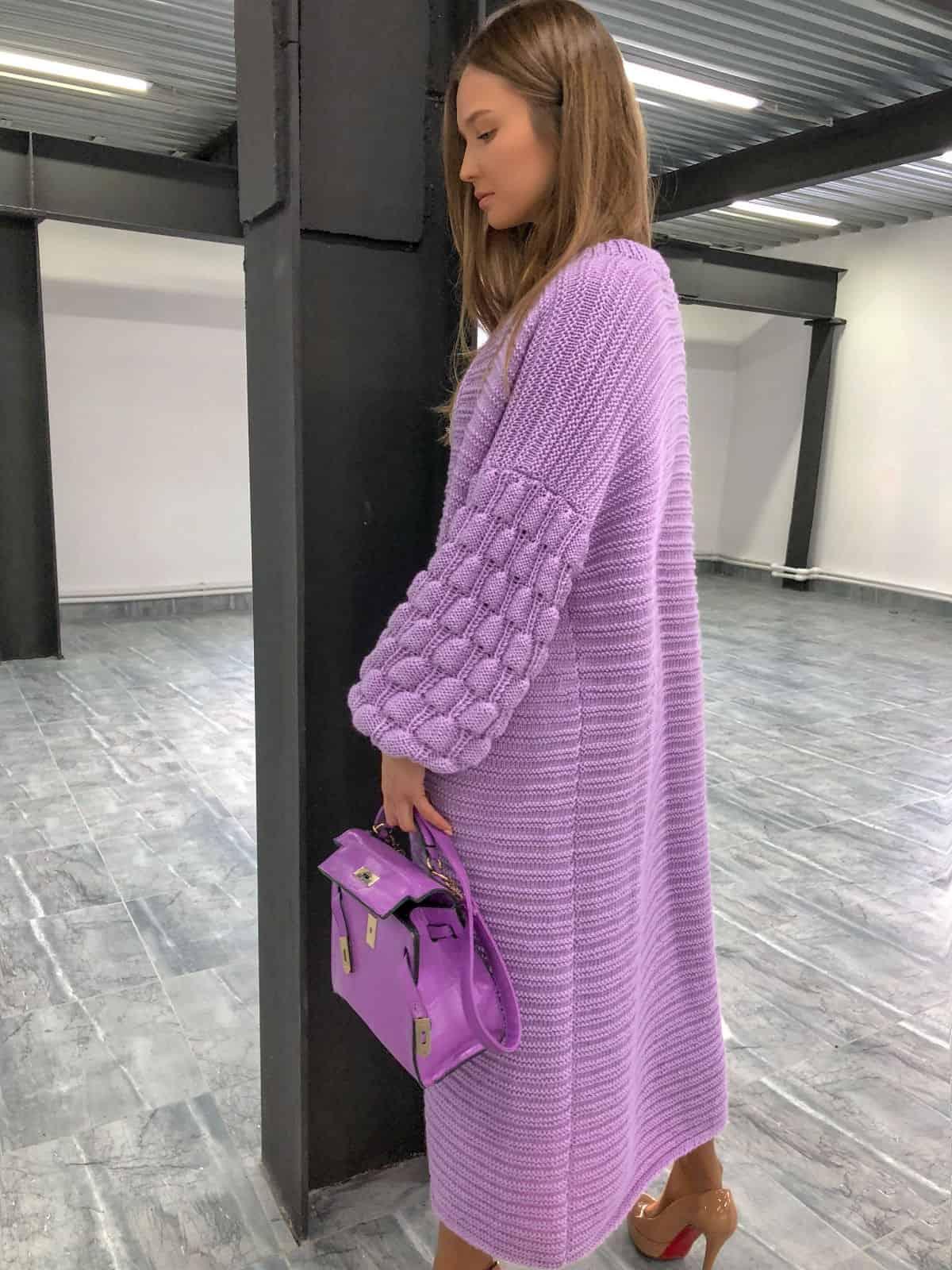 На шестой фотографии эксклюзивный длинный кардиган женский от Shapar, бренда вязаной одежды ручной работы в интернет-магазине связанных спицами вещей.