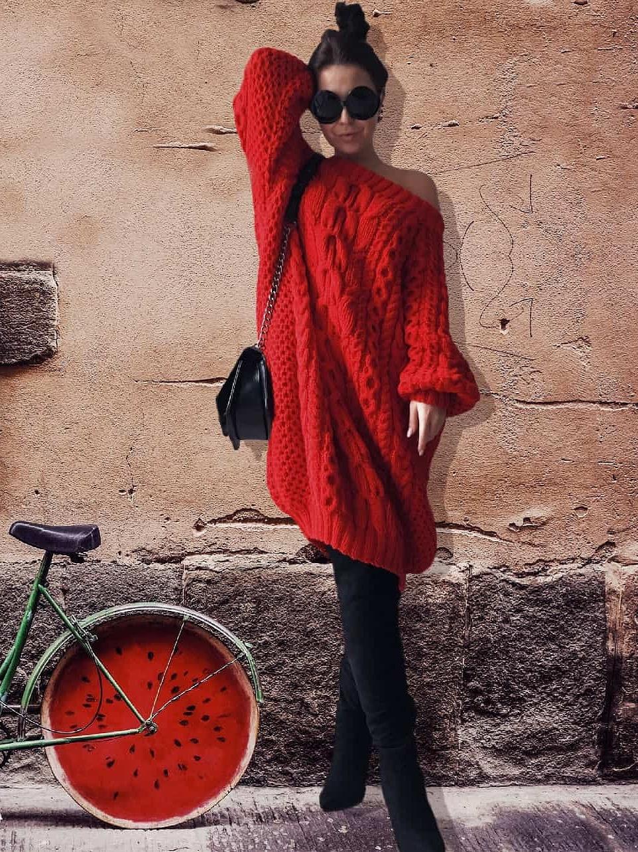 На третьей фотографии объемное вязаное платье красного цвета от Shapar, бренда женской одежды ручной работы в интернет-магазине связанных спицами вещей.