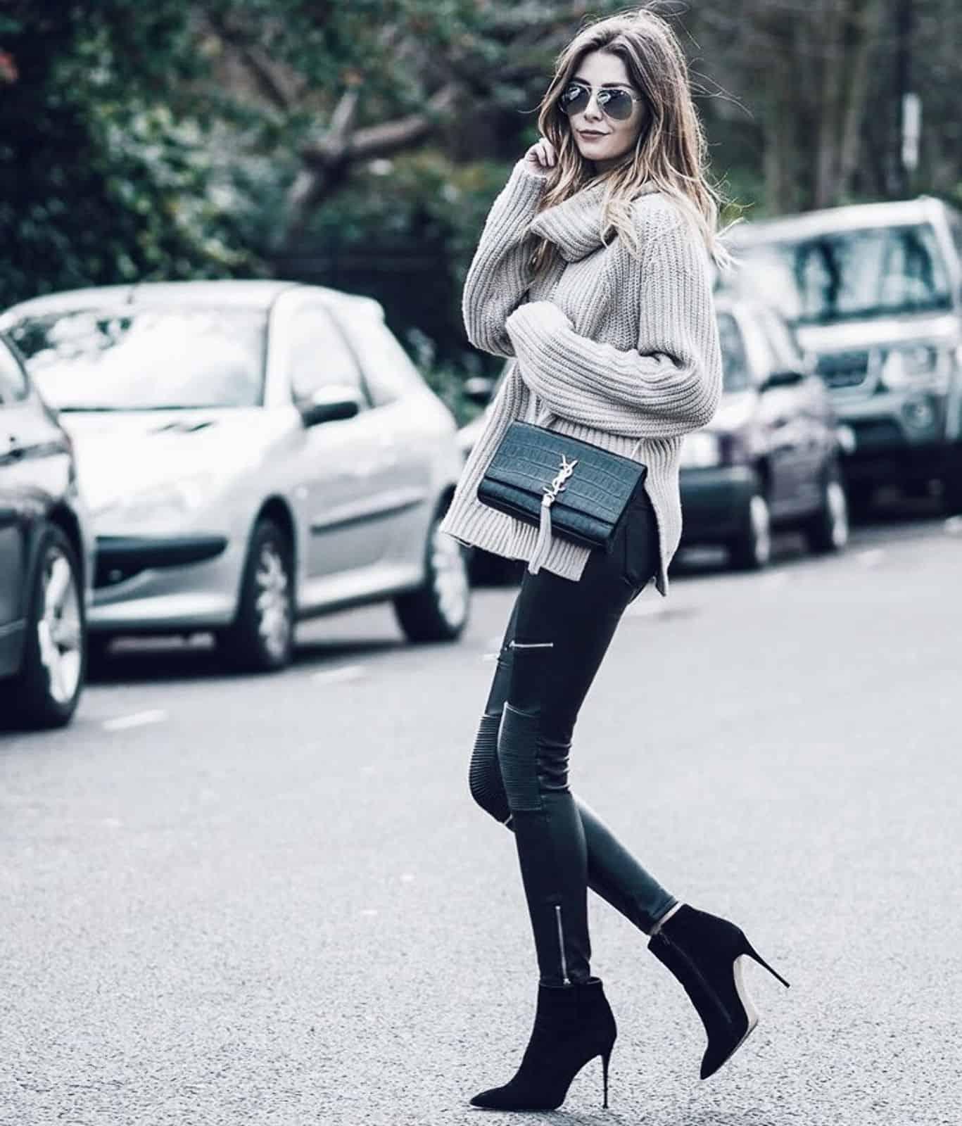 На фотографии женский свитер с воротником от Shapar, бренда вязаной одежды ручной работы в интернет-магазине связанных спицами вещей.