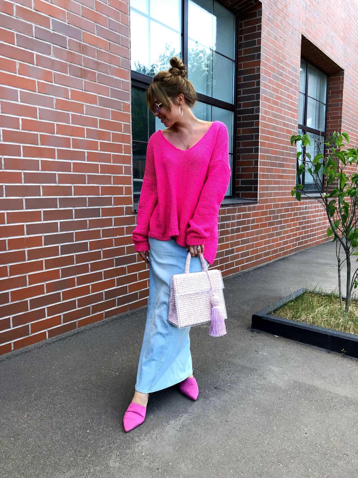 На четвертой фотографии женский летний пуловер в цвете фуксия от Shapar, бренда вязаной одежды ручной работы в интернет-магазине связанных спицами вещей.