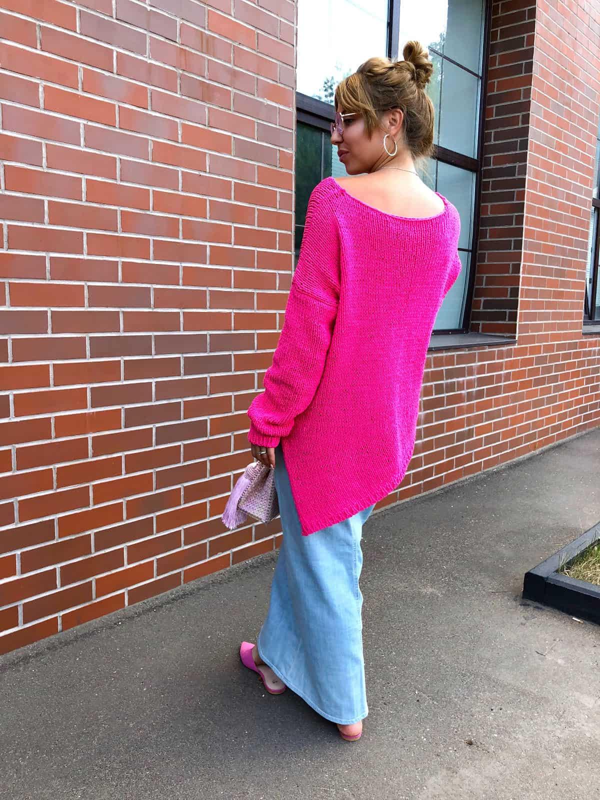 На второй фотографии женский летний пуловер со спины от Shapar, бренда вязаной одежды ручной работы в интернет-магазине связанных спицами вещей.