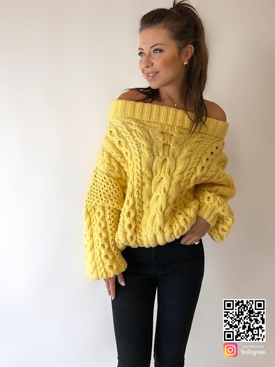 На третьей фотографии ажурный свитер женский желтого цвета от Shapar, бренда вязаной одежды ручной работы в интернет-магазине связанных спицами вещей.