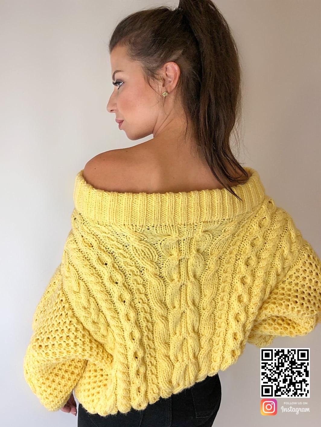 На второй фотографии желтый свитер женский со спины от Shapar, бренда вязаной одежды ручной работы в интернет-магазине связанных спицами вещей.