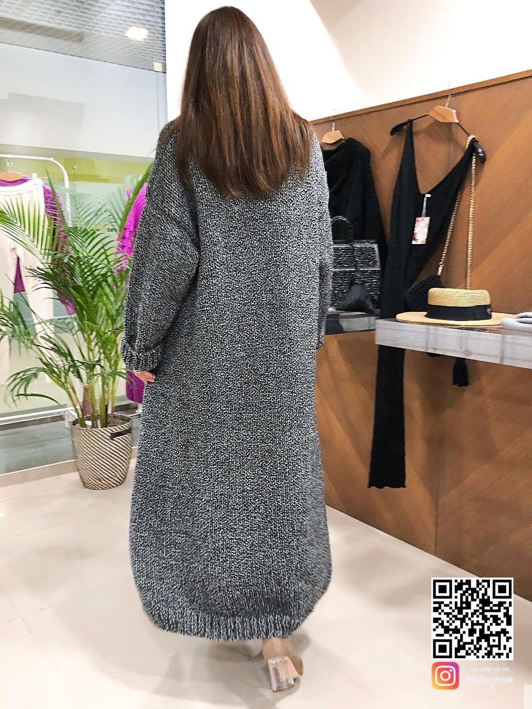 На шестой фотографии длинный серый кардиган, связанный на спицах, от Shapar, бренда женской одежды ручной работы в интернет-магазине связанных спицами вещей.
