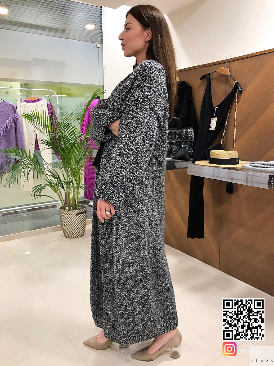 На третьей фотографии серый вязаный кардиган для модниц от Shapar, бренда женской одежды ручной работы в интернет-магазине связанных спицами вещей.