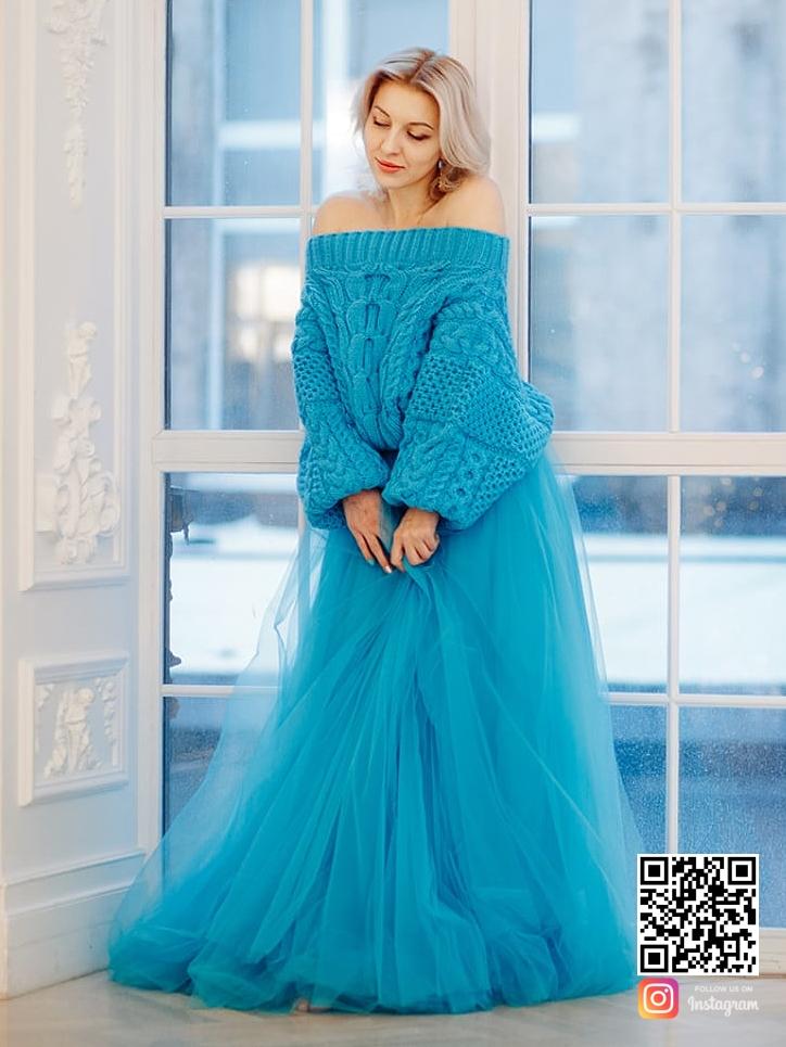 На второй фотографии свободный свитер женский бирюзового цвета от Shapar, бренда вязаной одежды ручной работы в интернет-магазине связанных спицами вещей.