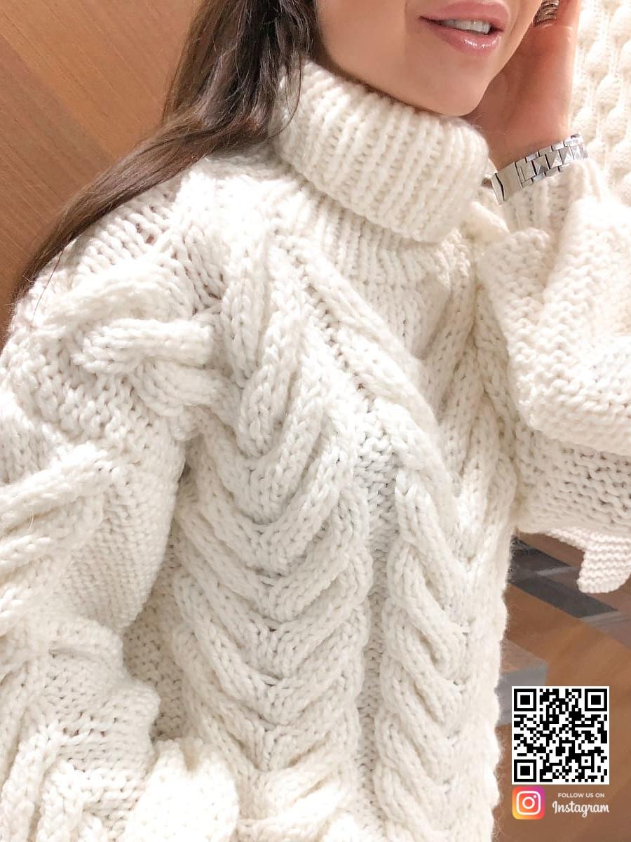 На четвертой фотографии теплый свитер женский фактурной вязки с косами от Shapar, бренда вязаной одежды ручной работы в интернет-магазине связанных спицами вещей.
