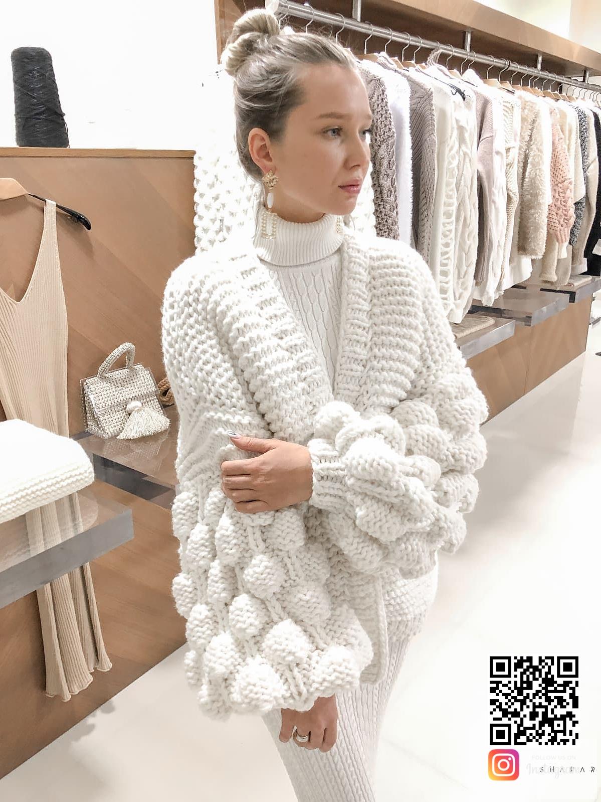 На седьмой фотографии модный кардиган на лето для девушек и женщин от Shapar, бренда вязаной одежды ручной работы в интернет-магазине связанных спицами вещей.
