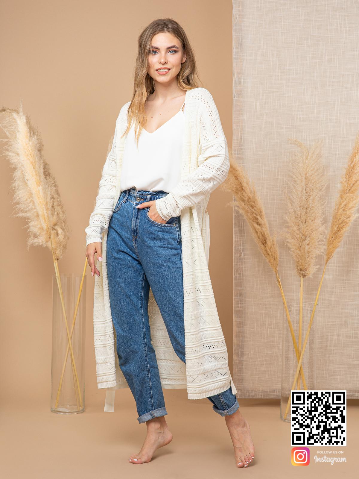 На шестой фотографии тонкий ажурный кардиган из хлопка для женщин от Shapar, бренда вязаной одежды ручной работы в интернет-магазине связанных спицами вещей.