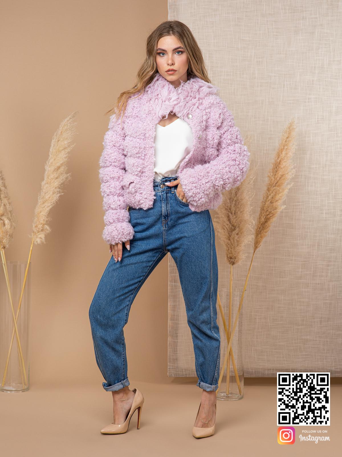 На шестой фотографии женский буклированный кардиган с объемным воротником от Shapar, бренда вязаной одежды ручной работы в интернет-магазине связанных спицами вещей.