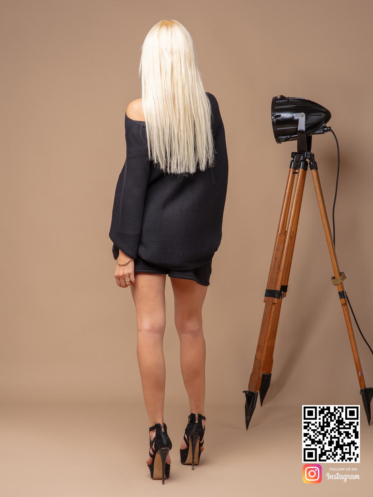 На пятой фотографии летний черный костюм с шортами в комплекте для девушек от Shapar, бренда вязаной одежды ручной работы в интернет-магазине связанных спицами вещей.