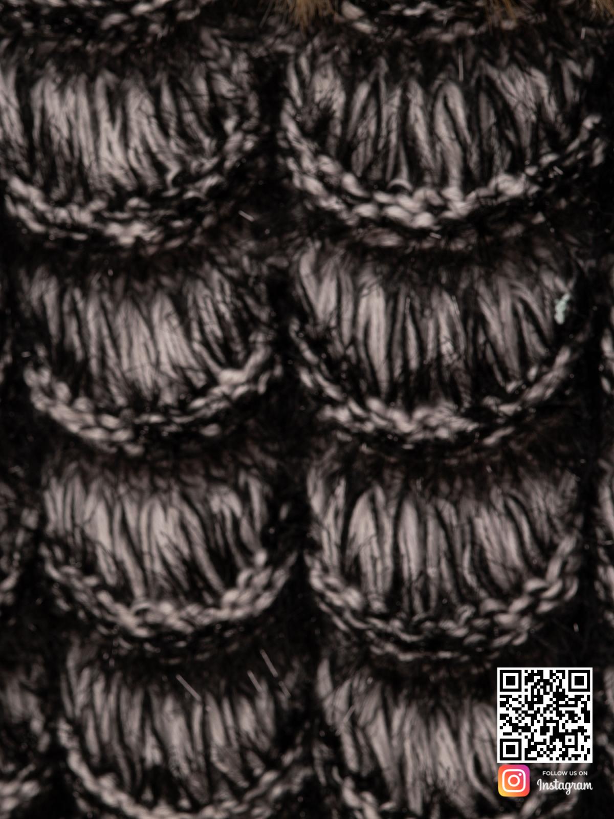 На восьмой фотографии кардиган для девушек крупным планом от Shapar, бренда вязаной одежды ручной работы в интернет-магазине связанных спицами вещей.