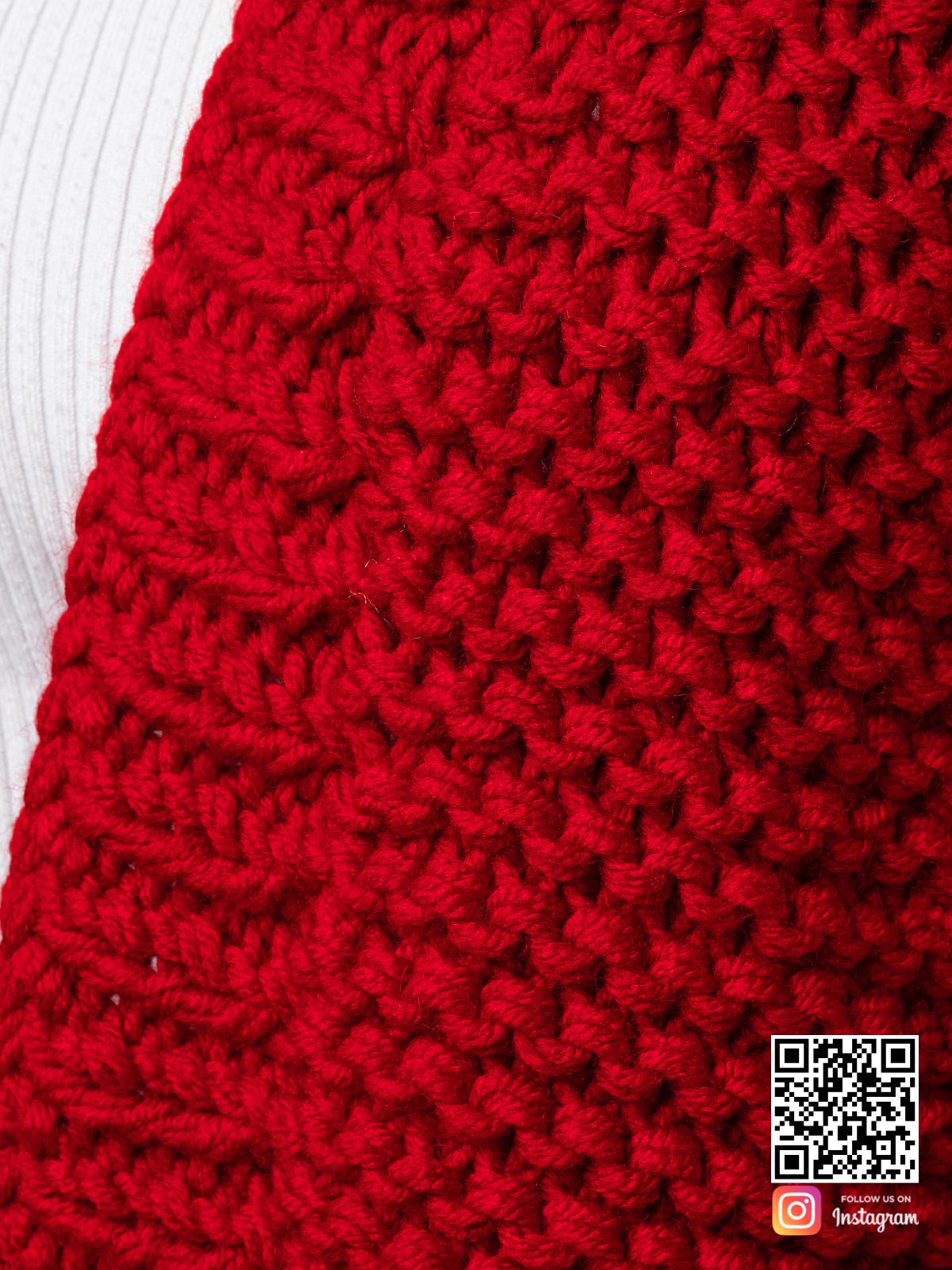 На седьмой фотографии красный женский кардиган крупным планом от Shapar, бренда вязаной одежды ручной работы в интернет-магазине связанных спицами вещей.