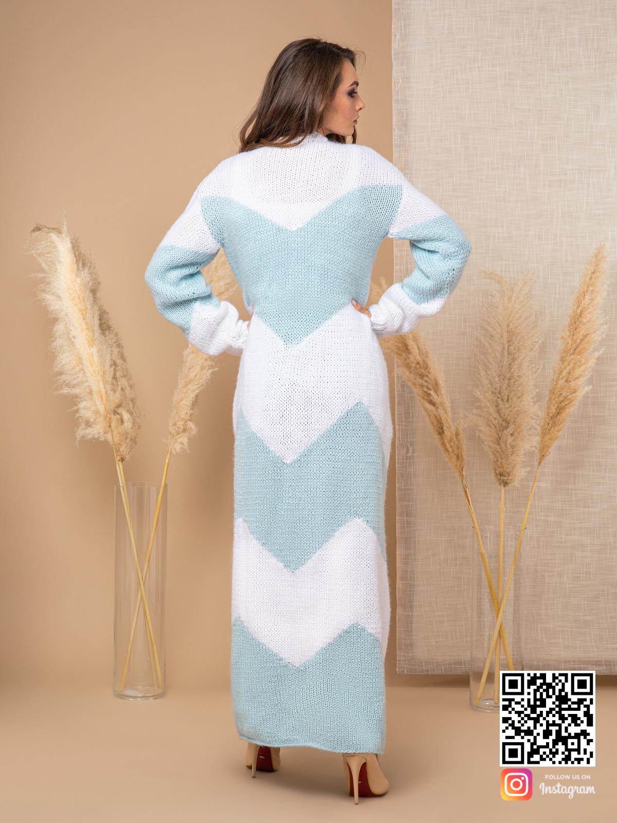 На шестой фотографии женский кардиган с орнаментом зигзаг от Shapar, бренда вязаной одежды ручной работы в интернет-магазине связанных спицами вещей.