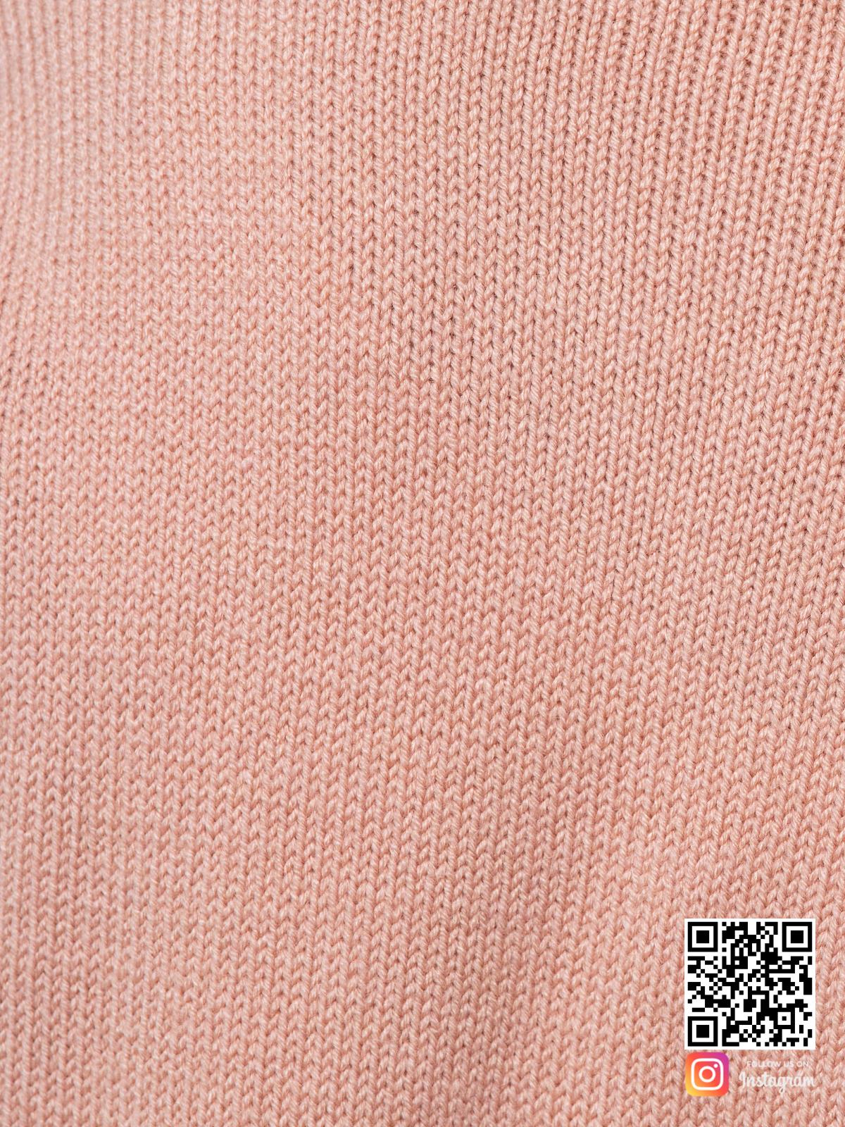 На шестой фотографии кардиган трикотажный женский крупным планом от Shapar, бренда вязаной одежды ручной работы в интернет-магазине связанных спицами вещей.