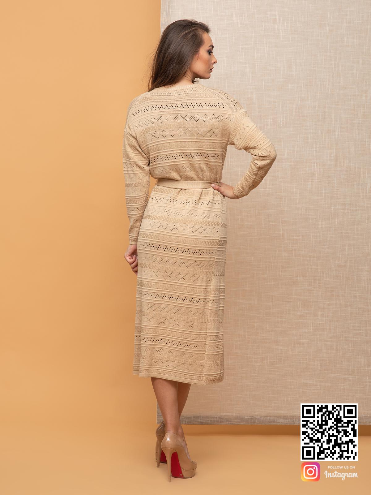 На пятой фотографии длинный женский кардиган весенний от Shapar, бренда вязаной одежды ручной работы в интернет-магазине связанных спицами вещей.