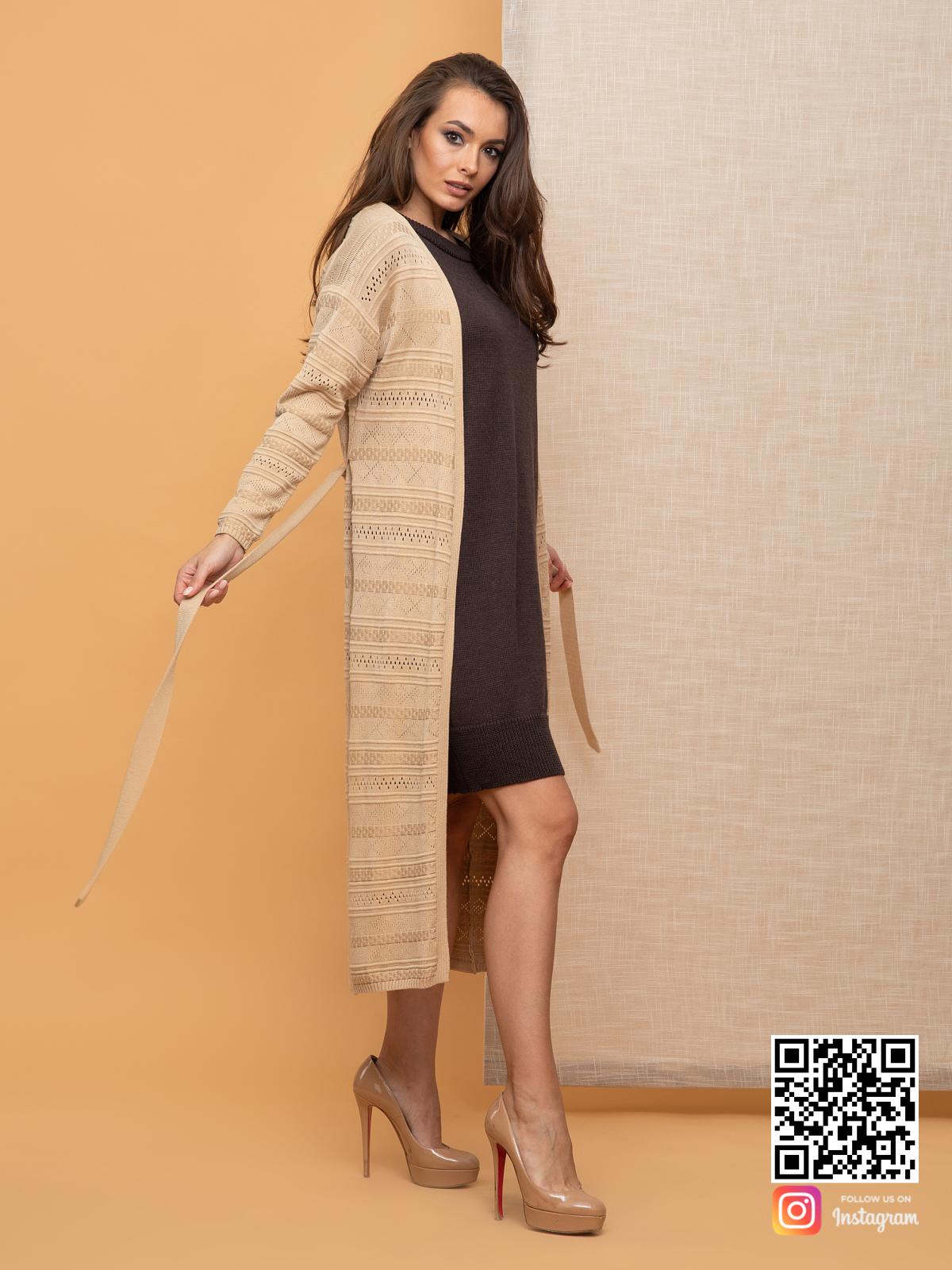 На шестой фотографии женский кардиган весенний с узором от Shapar, бренда вязаной одежды ручной работы в интернет-магазине связанных спицами вещей.