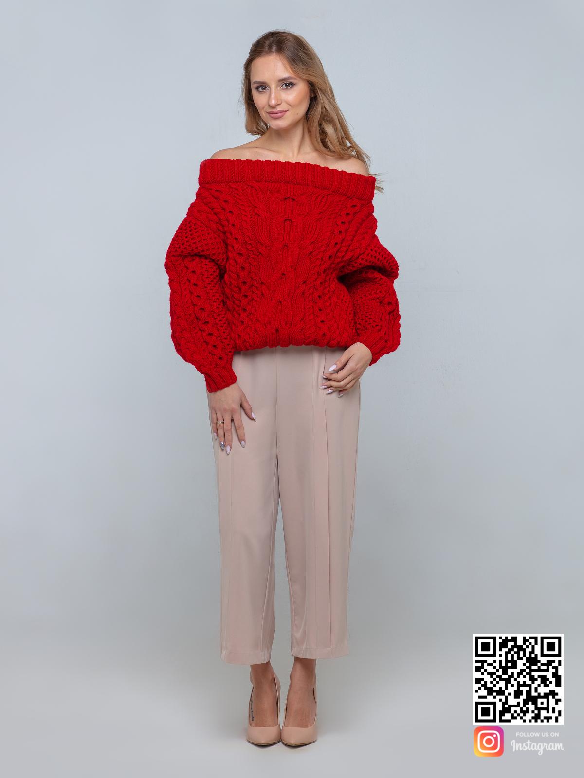 На четвертой фотографии ажурный красный свитер женский с открытыми плечами от Shapar, бренда вязаной одежды ручной работы в интернет-магазине связанных спицами вещей.