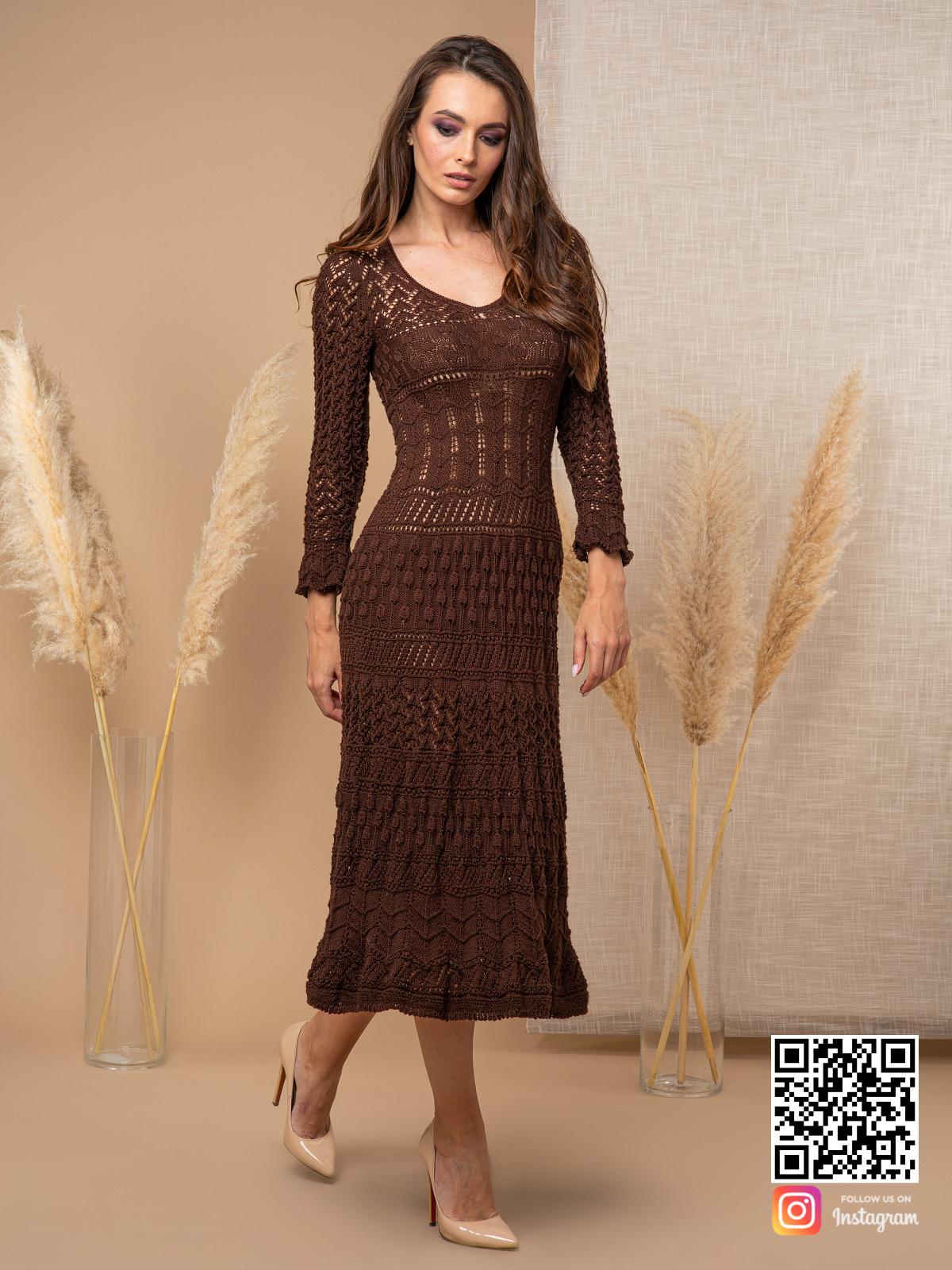 На шестой фотографии элегантное платье коричневого цвета от Shapar, бренда вязаной одежды ручной работы в интернет-магазине связанных спицами вещей.