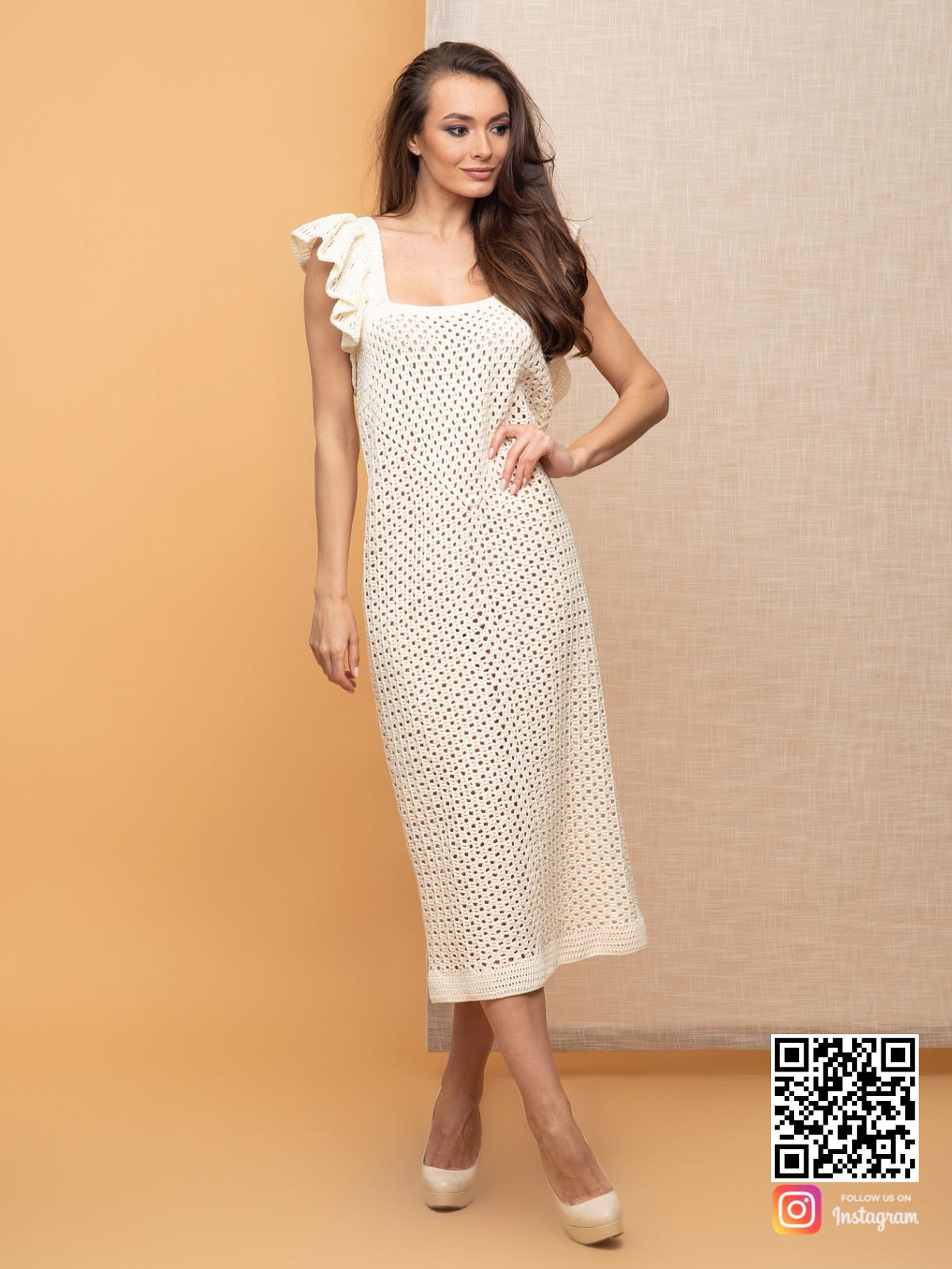 На четвертой фотографии модное платье летнее из хлопка от Shapar, бренда вязаной одежды ручной работы в интернет-магазине связанных спицами вещей.