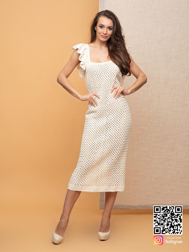 На фотографии женское платье летнее из хлопка от Shapar, бренда вязаной одежды ручной работы в интернет-магазине связанных спицами вещей.