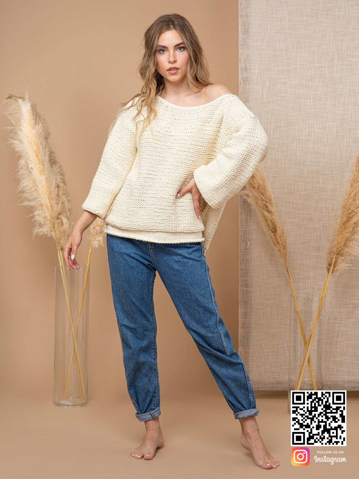 На четвертой фотографии женский пуловер с коротким рукавом из хлопка от Shapar, бренда вязаной одежды ручной работы в интернет-магазине связанных спицами вещей.