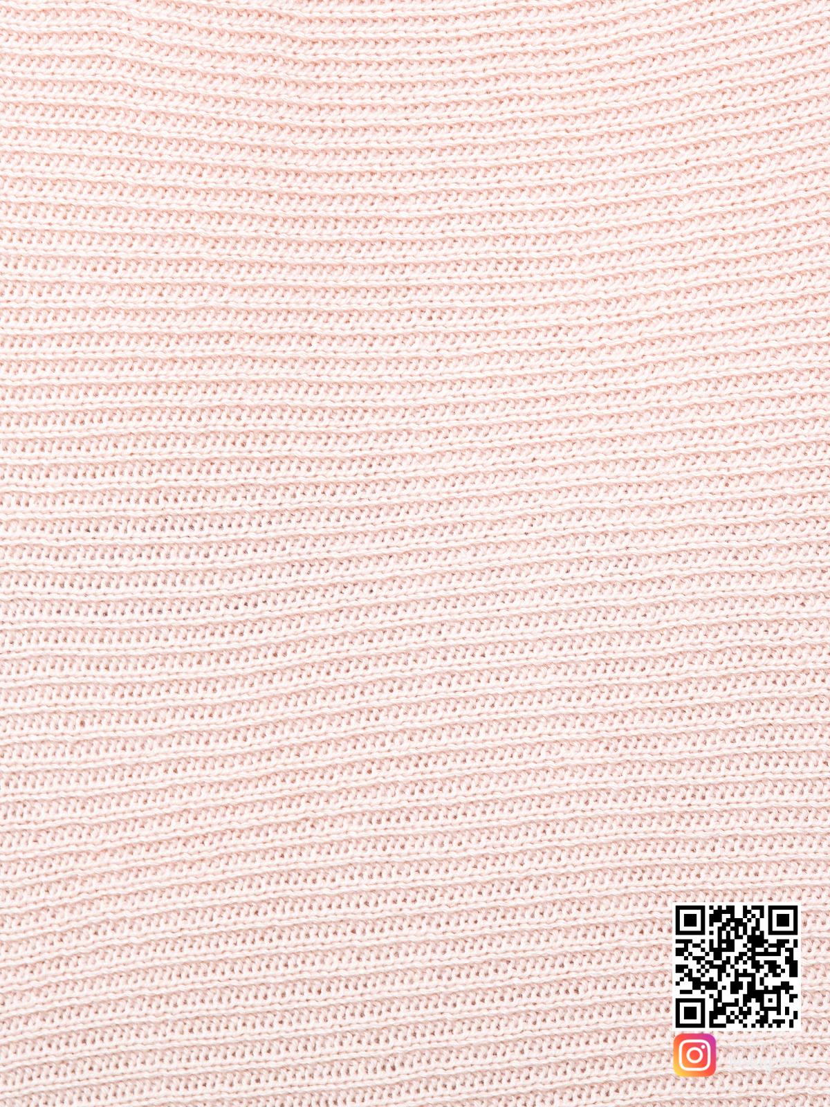 На шестой фотографии розовая кофта женская крупным планом от Shapar, бренда вязаной одежды ручной работы в интернет-магазине связанных спицами вещей.