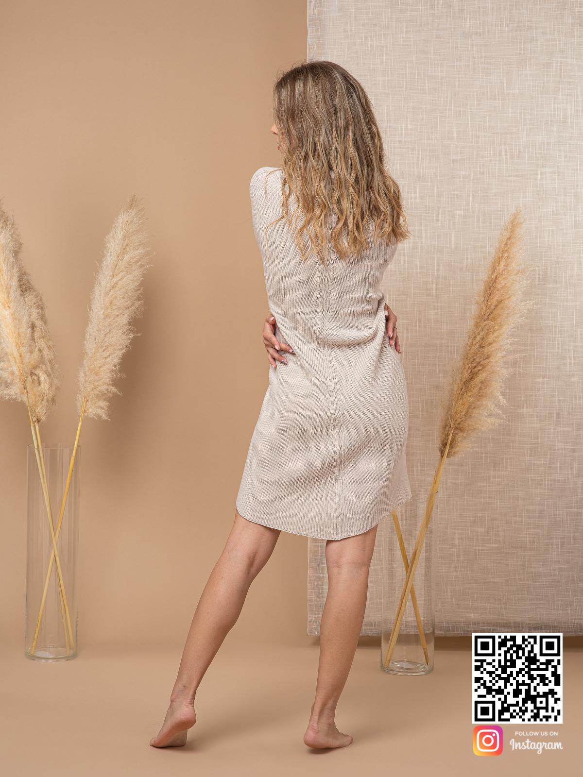 На седьмой фотографии элегантное серое пончо для женщин от Shapar, бренда вязаной одежды ручной работы в интернет-магазине связанных спицами вещей.