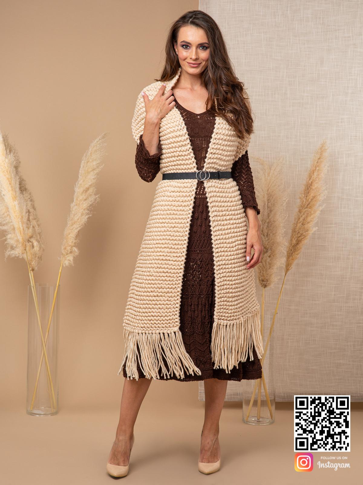 На седьмой фотографии шарф спицами женский на поясе от Shapar, бренда вязаной одежды ручной работы в интернет-магазине связанных спицами вещей.