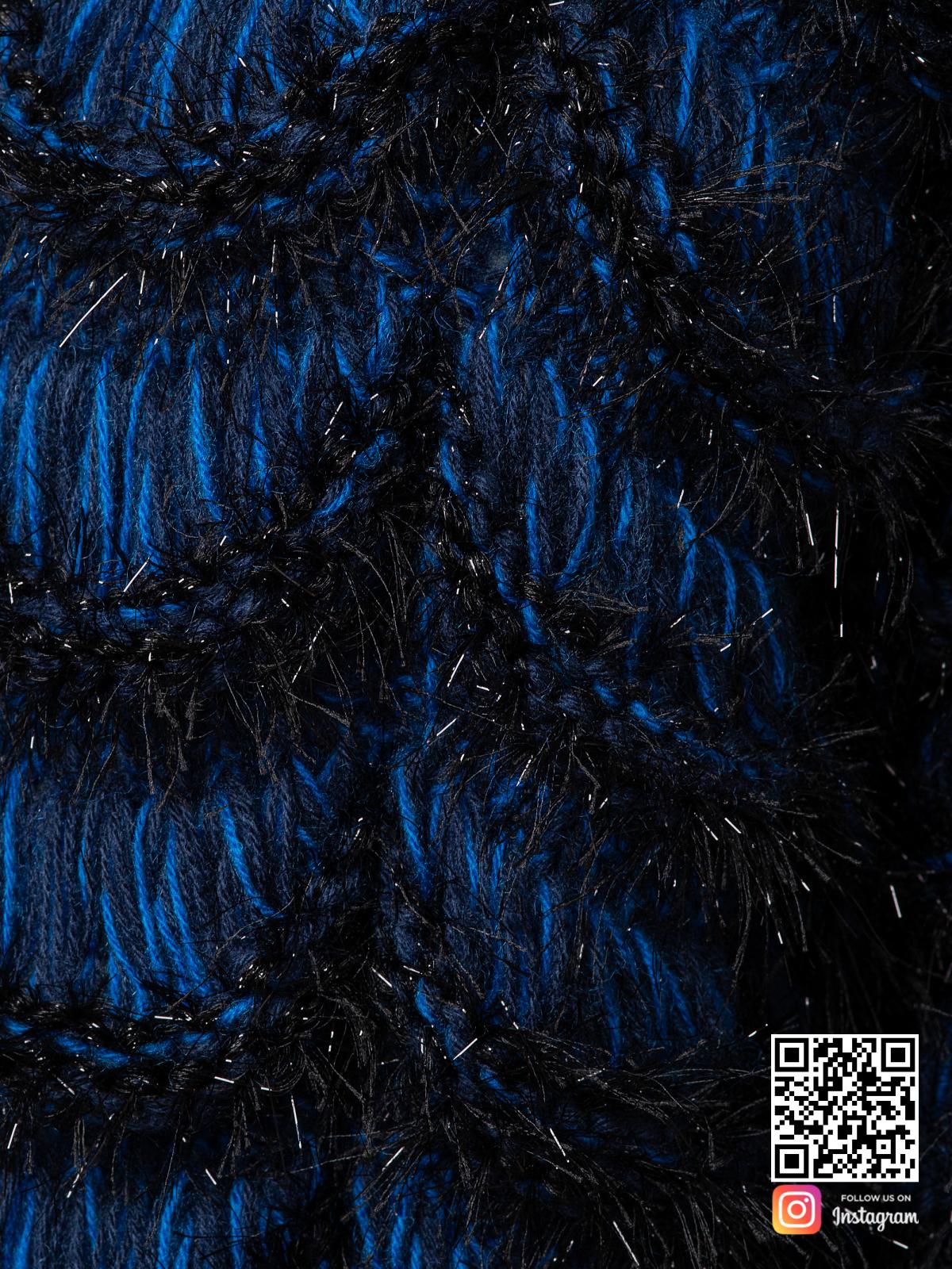На седьмой фотографии женский синий кардиган крупным планом от Shapar, бренда вязаной одежды ручной работы в интернет магазине связанных спицами вещей.