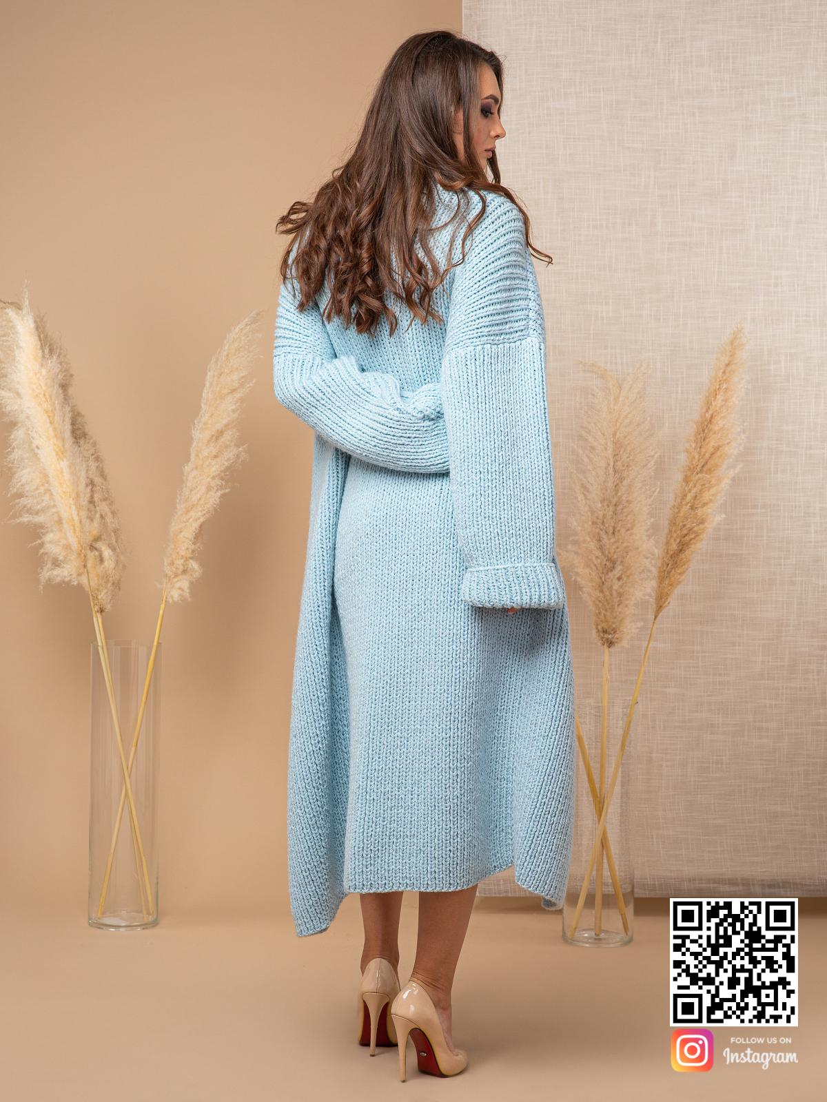 На шестой фотографии теплый модный кардиган женский от Shapar, бренда вязаной одежды ручной работы в интернет-магазине связанных спицами вещей.