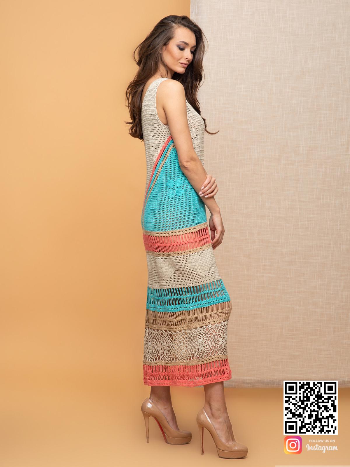 На третьей фотографии хлопковое женское вязаное платье крючком на лето от Shapar, бренда одежды ручной работы в интернет-магазине связанных спицами вещей.