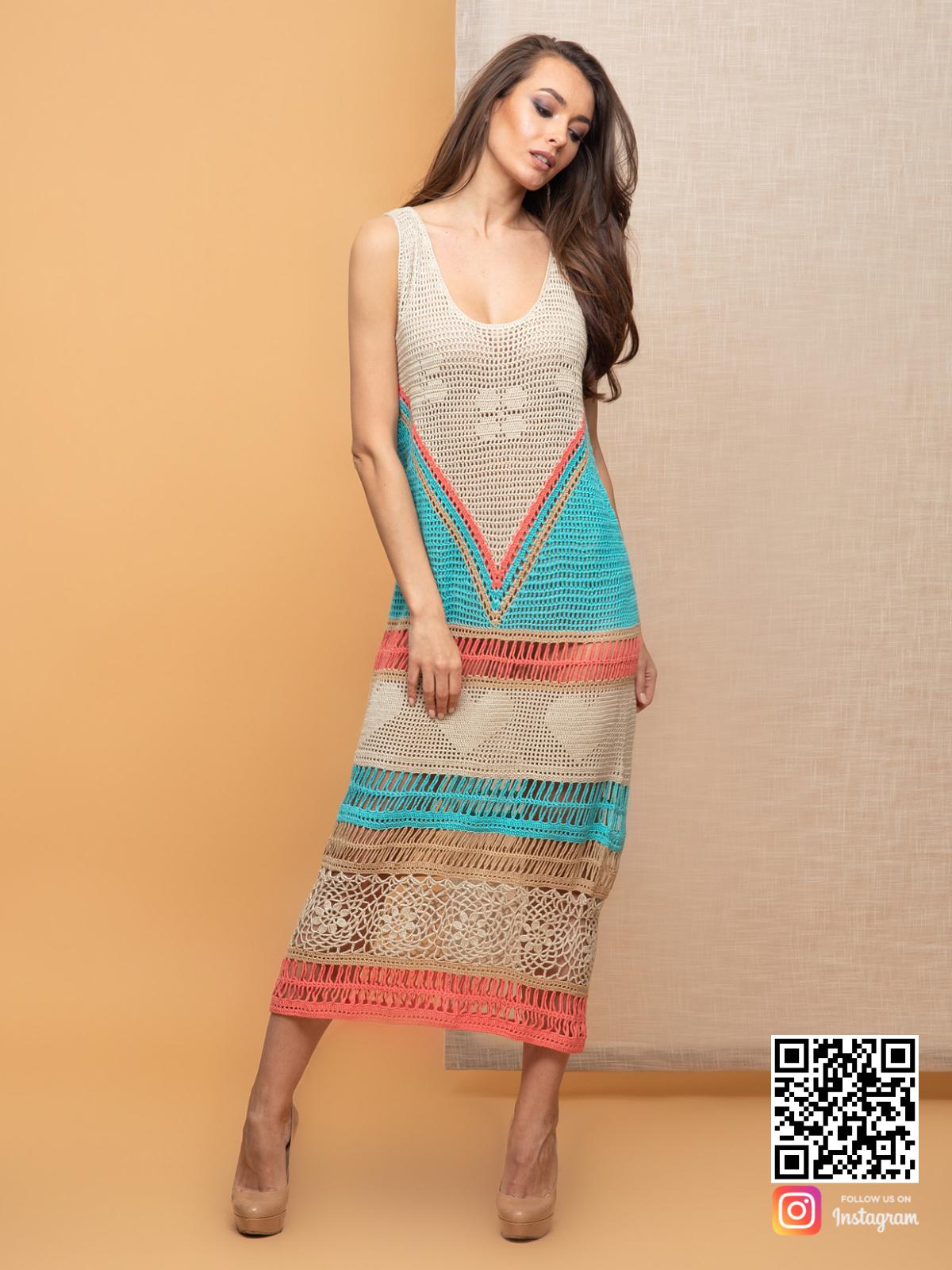 На четвертой фотографии вязаное платье крючком для женщин из хлопка от Shapar, бренда одежды ручной работы в интернет-магазине связанных спицами вещей.