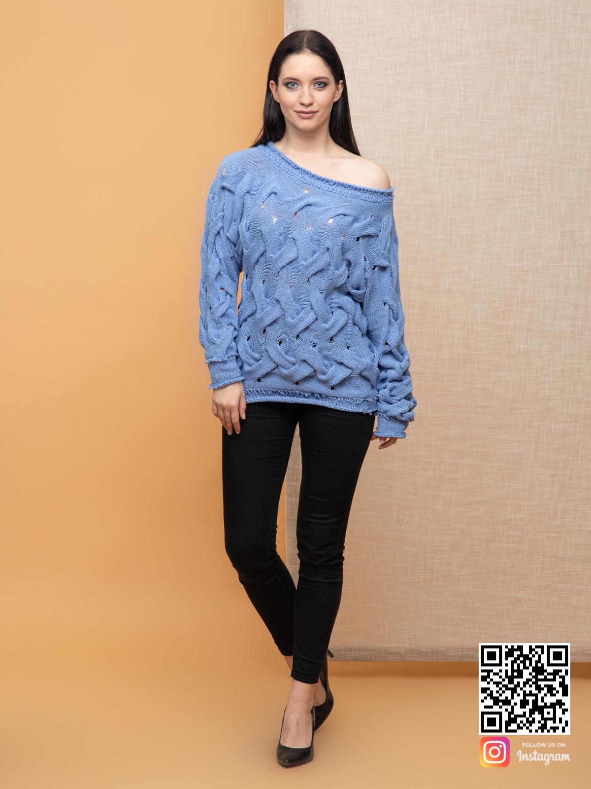 На четвертой фотографии вязаный джемпер спицами для женщин из хлопка от Shapar, бренда одежды ручной работы в интернет-магазине связанных спицами вещей.