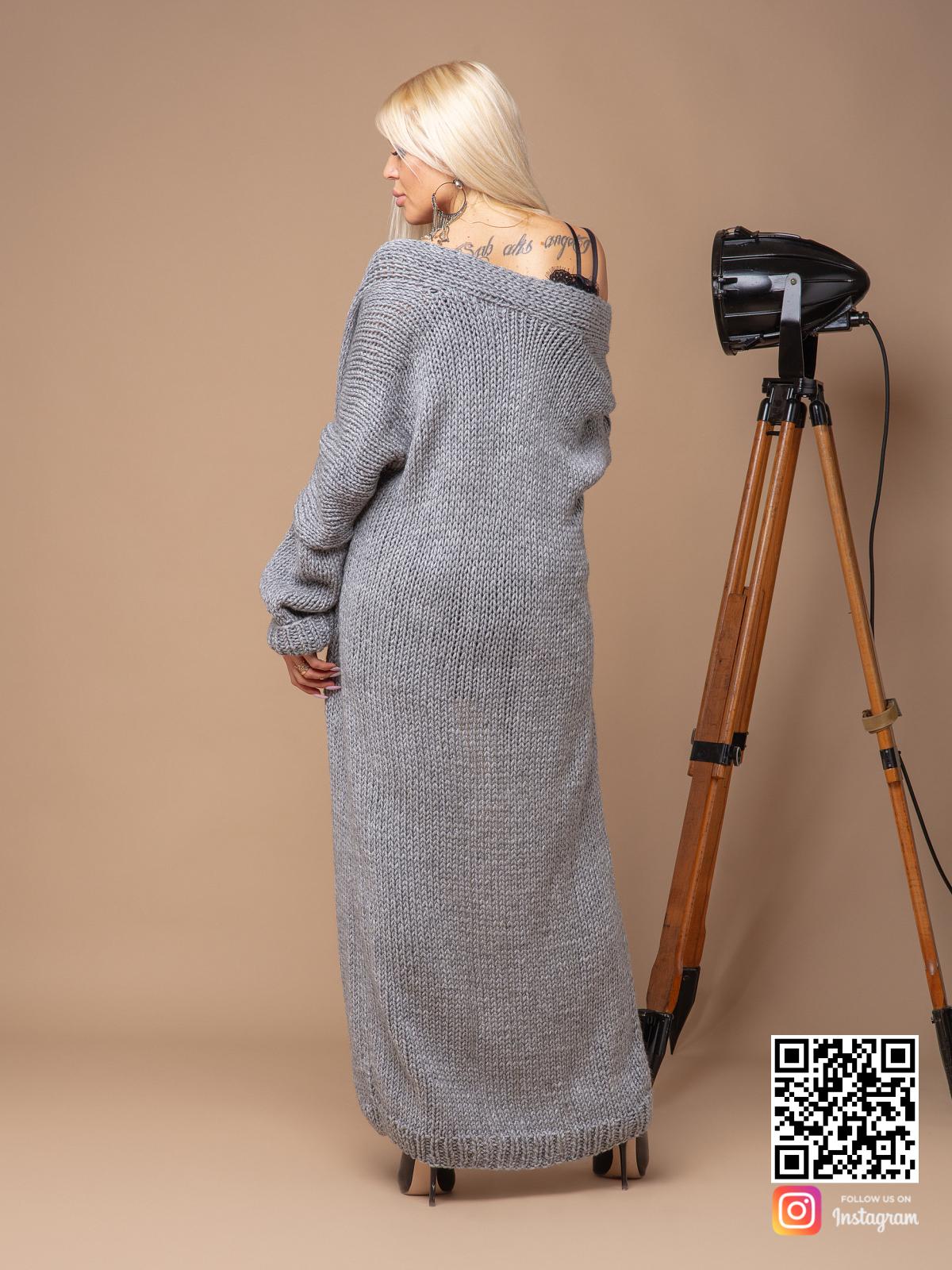 На пятой фотографии серый женский кардиган связанный спицами от Shapar, бренда вязаных вещей ручной работы в интернет-магазине одежды.
