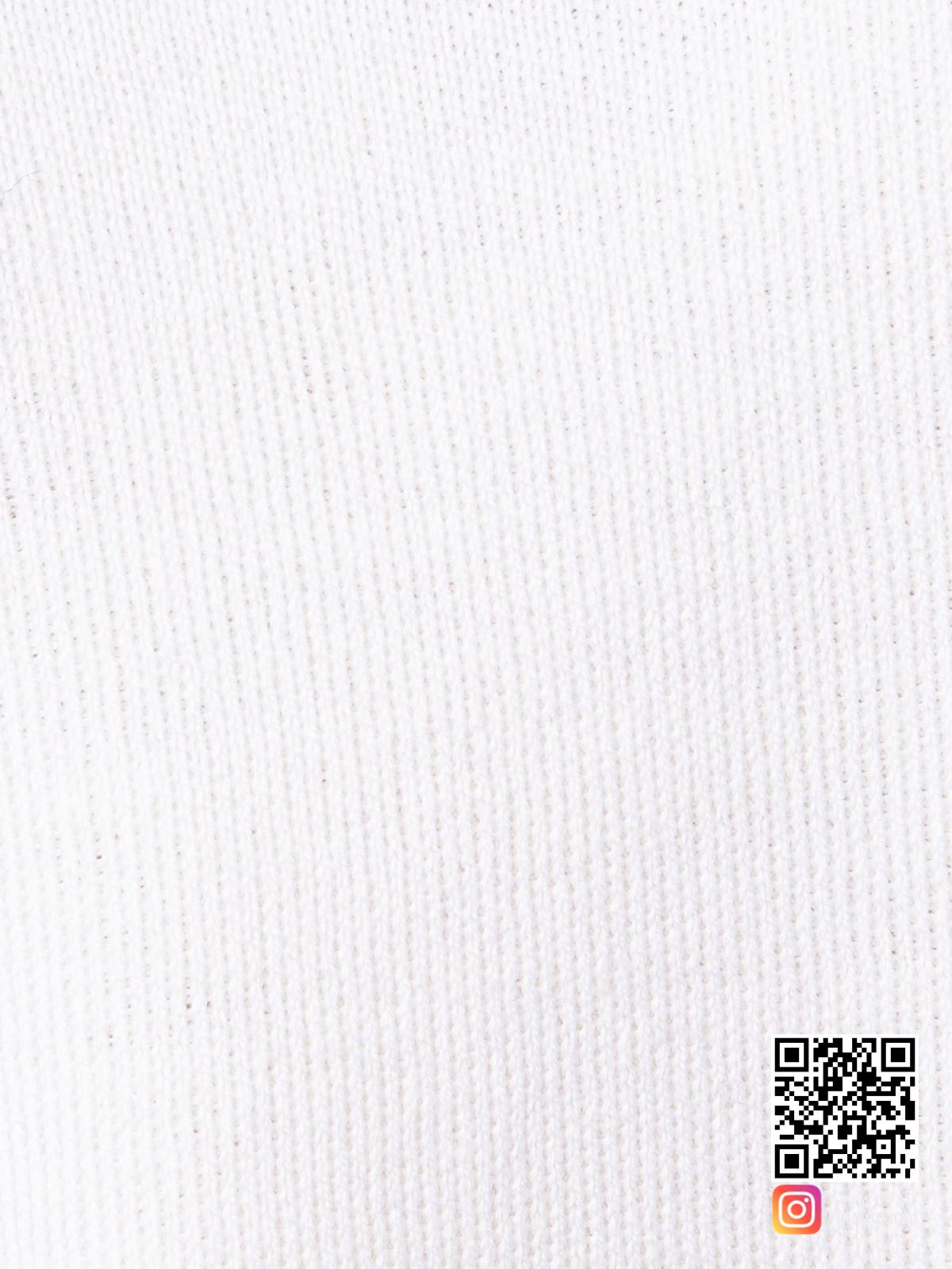 На шестой фотографии белый спортивный костюм женский крупным планом от Shapar, бренда вязаной одежды ручной работы в интернет-магазине связанных спицами вещей.