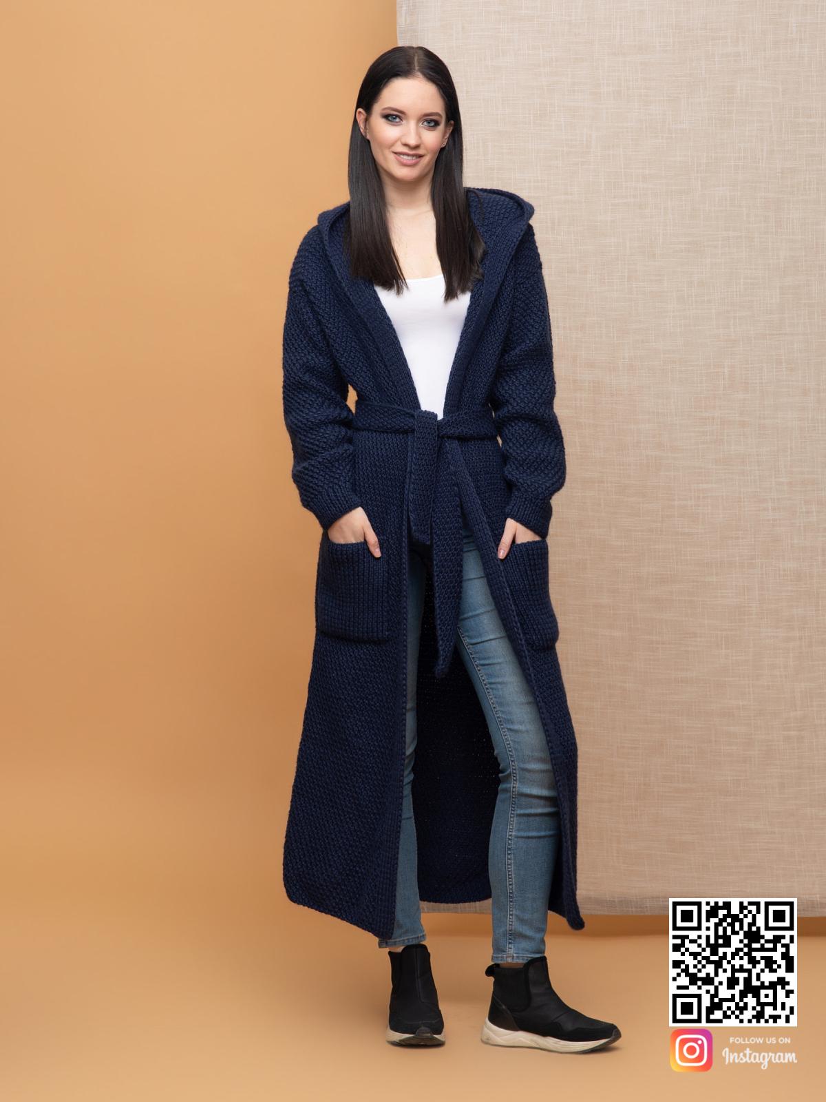 На пятой фотографии женский демисезонный кардиган из ангоры от Shapar, бренда вязаной одежды ручной работы в интернет-магазине связанных спицами вещей.