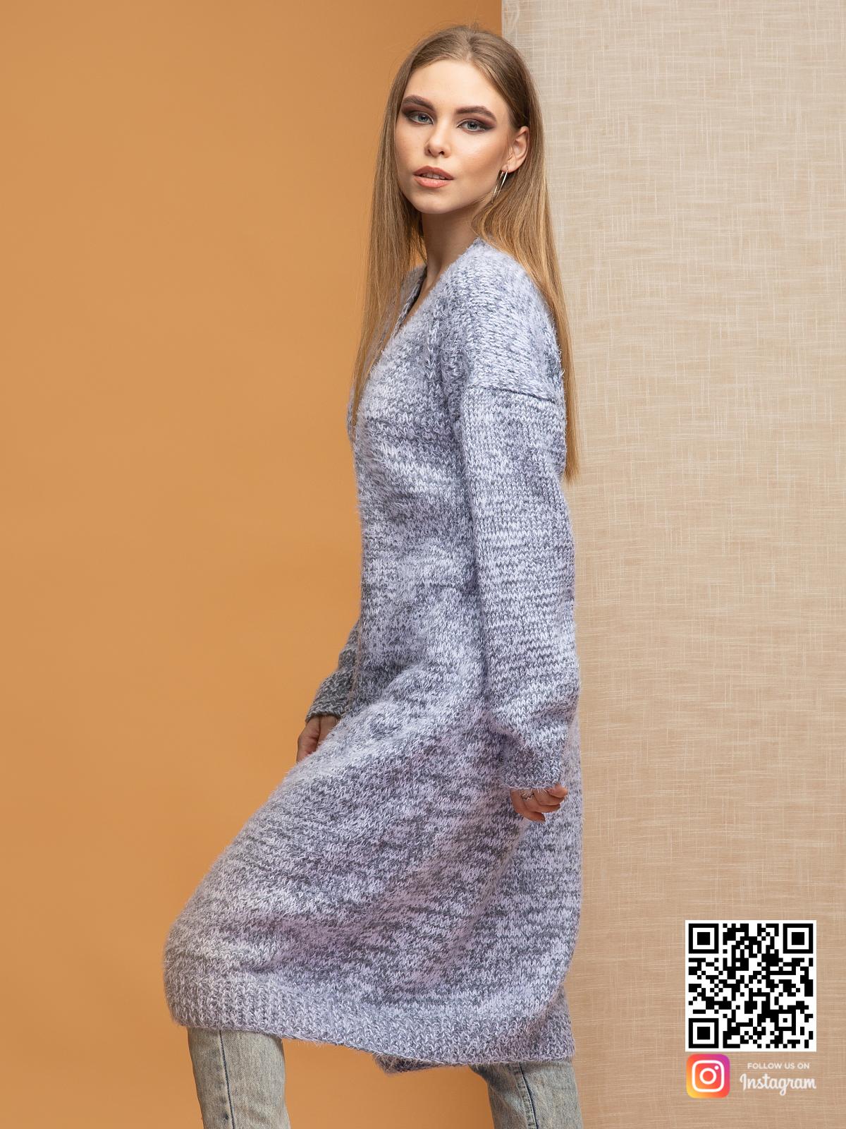 На четвертой фотографии серый меланжевый кардиган для девушек и женщин от Shapar, бренда вязаной одежды ручной работы в интернет-магазине связанных спицами вещей.