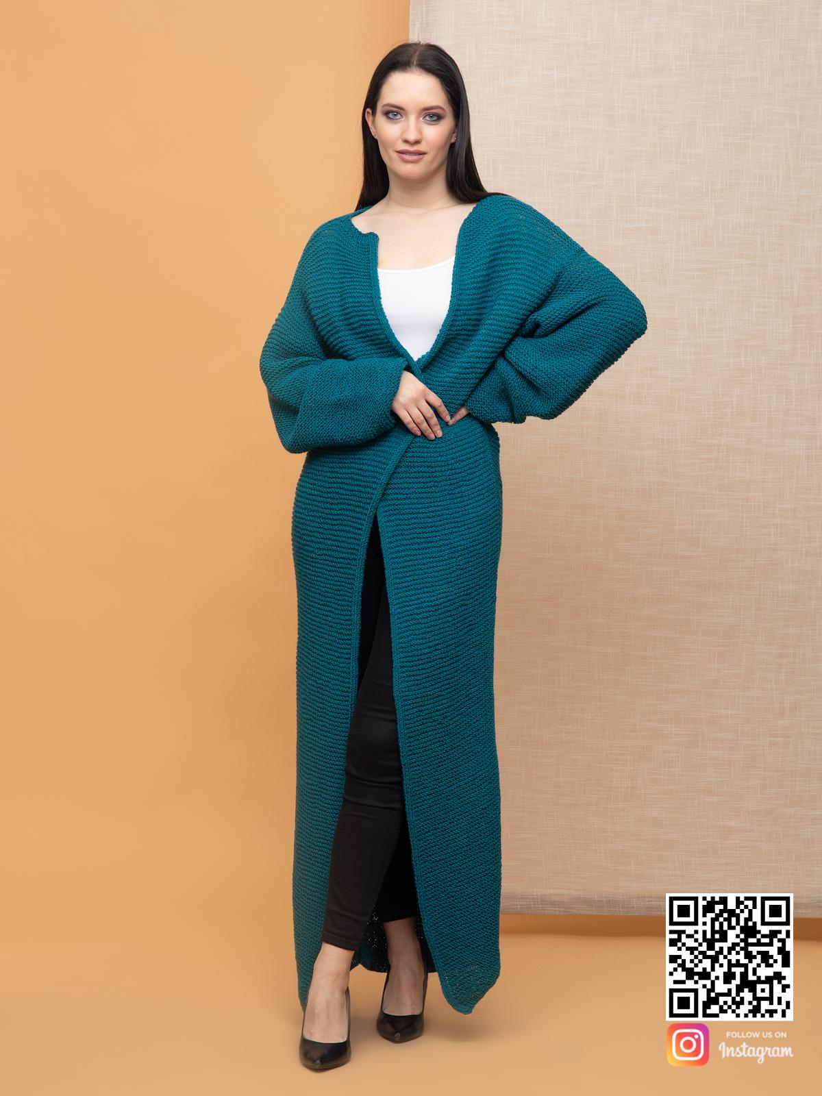 На шестой фотографии модный кардиган в цвете морской волны для девушек и женщин от Shapar, бренда вязаной одежды ручной работы в интернет-магазине связанных спицами вещей.