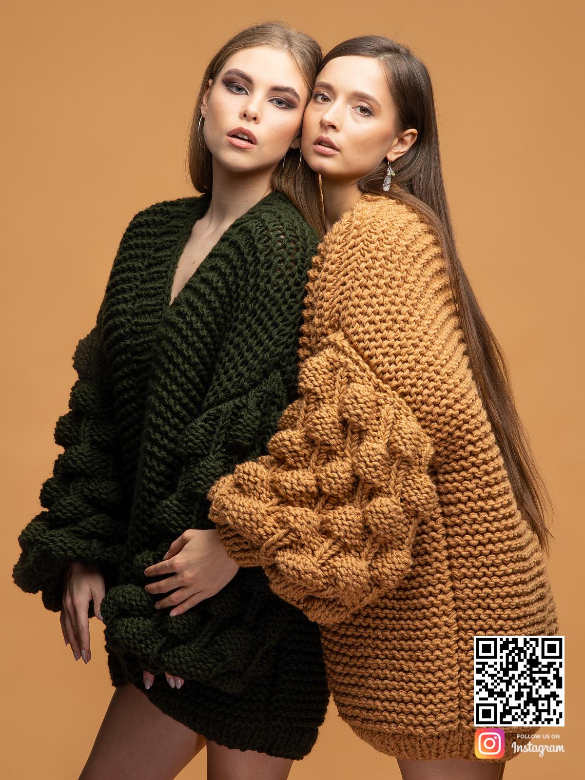 На шестой фотографии модные кардиганы для девушек и женщин от Shapar, бренда вязаной одежды ручной работы в интернет магазине связанных спицами вещей.