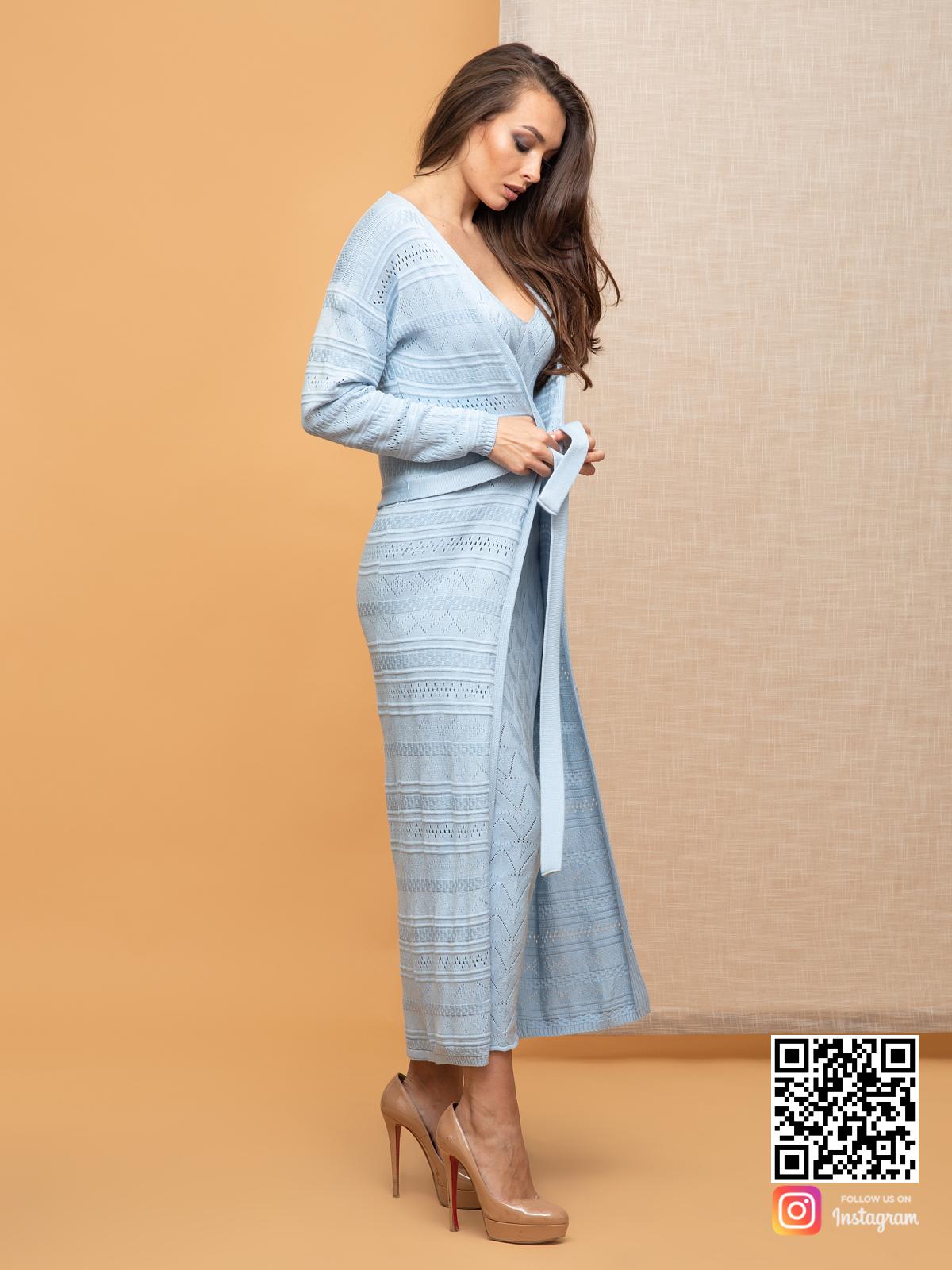 На пятой фотографии голубой летний кардиган для девушек и женщин от Shapar, бренда вязаной одежды ручной работы в интернет-магазине связанных спицами вещей.