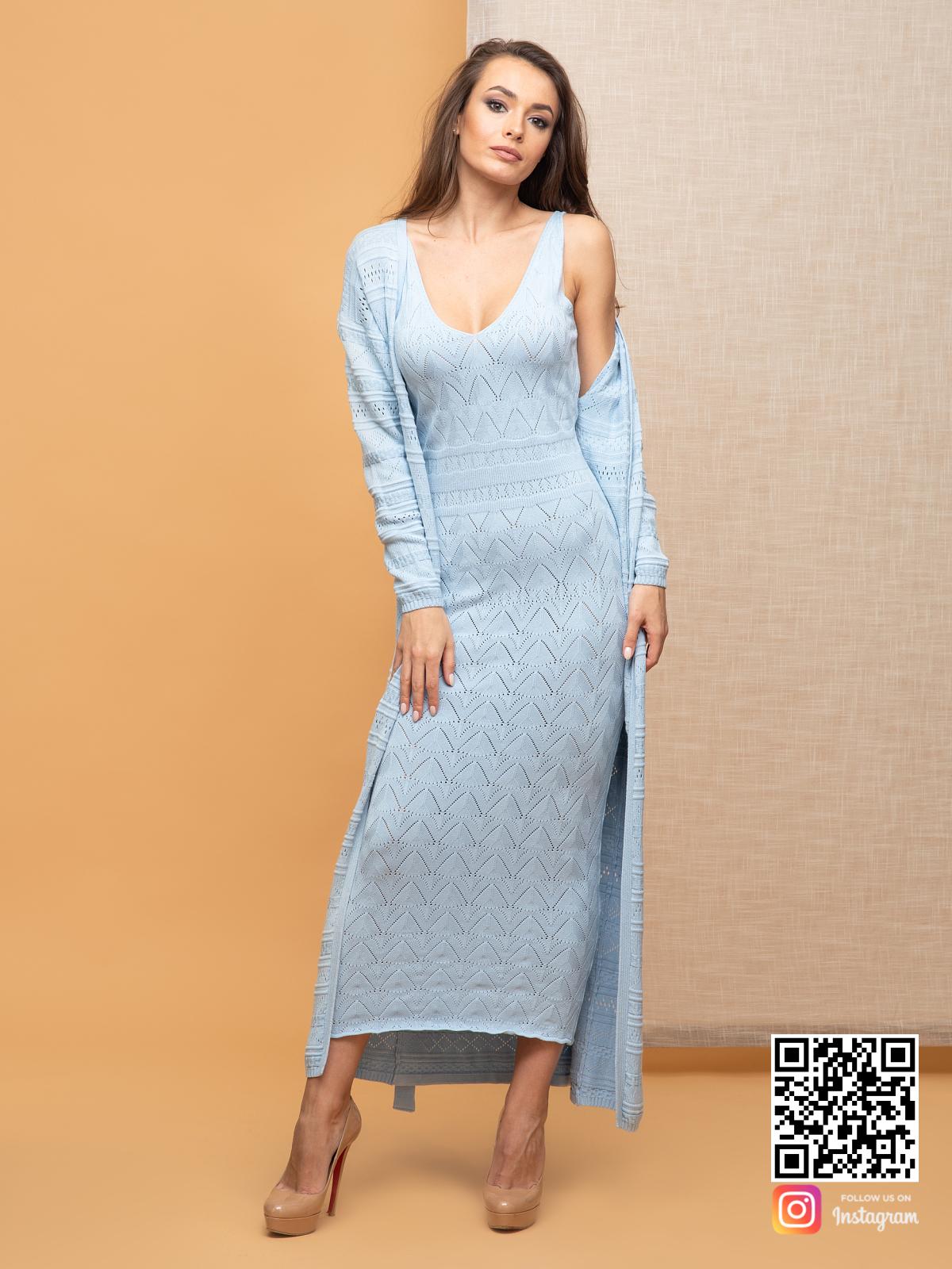 На четвертой фотографии женский летний кардиган голубого цвета от Shapar, бренда вязаной одежды ручной работы в интернет-магазине связанных спицами вещей.