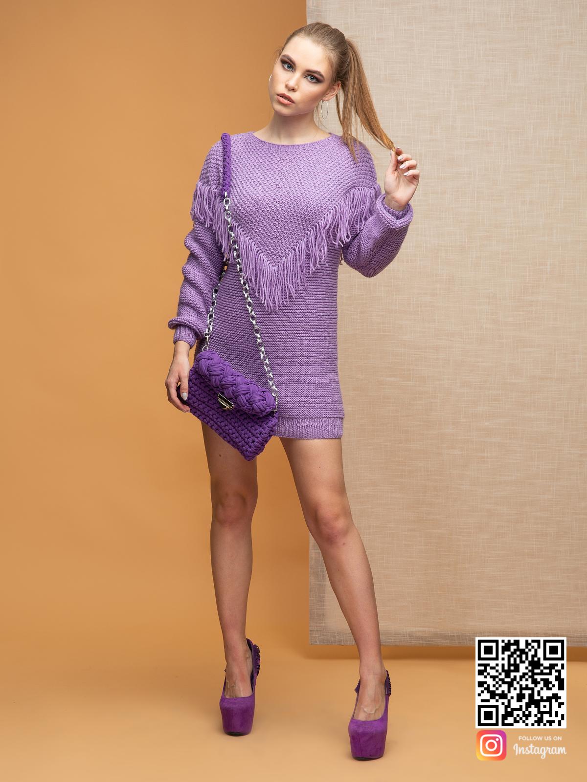 На шестой фотографии свитер-платье бохо от Shapar, бренда вязаной одежды ручной работы в интернет-магазине связанных спицами вещей.