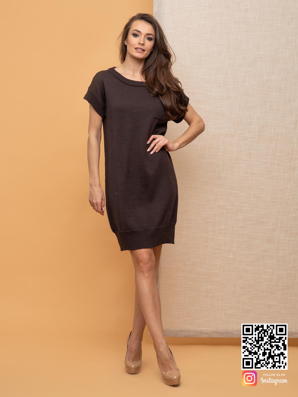 На пятой фотографии вязаное платье летнее с карманом от Shapar, бренда женской одежды ручной работы в интернет-магазине связанных спицами вещей.