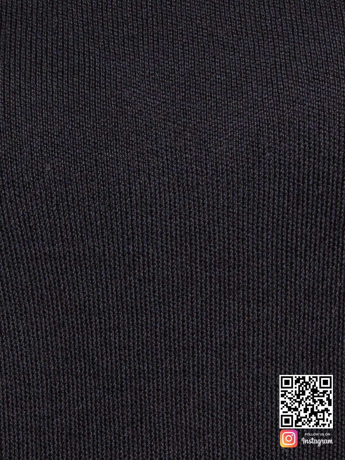 На шестой фотографии черный спортивный костюм женский крупным планом от Shapar, бренда вязаной одежды ручной работы в интернет-магазине связанных спицами вещей.