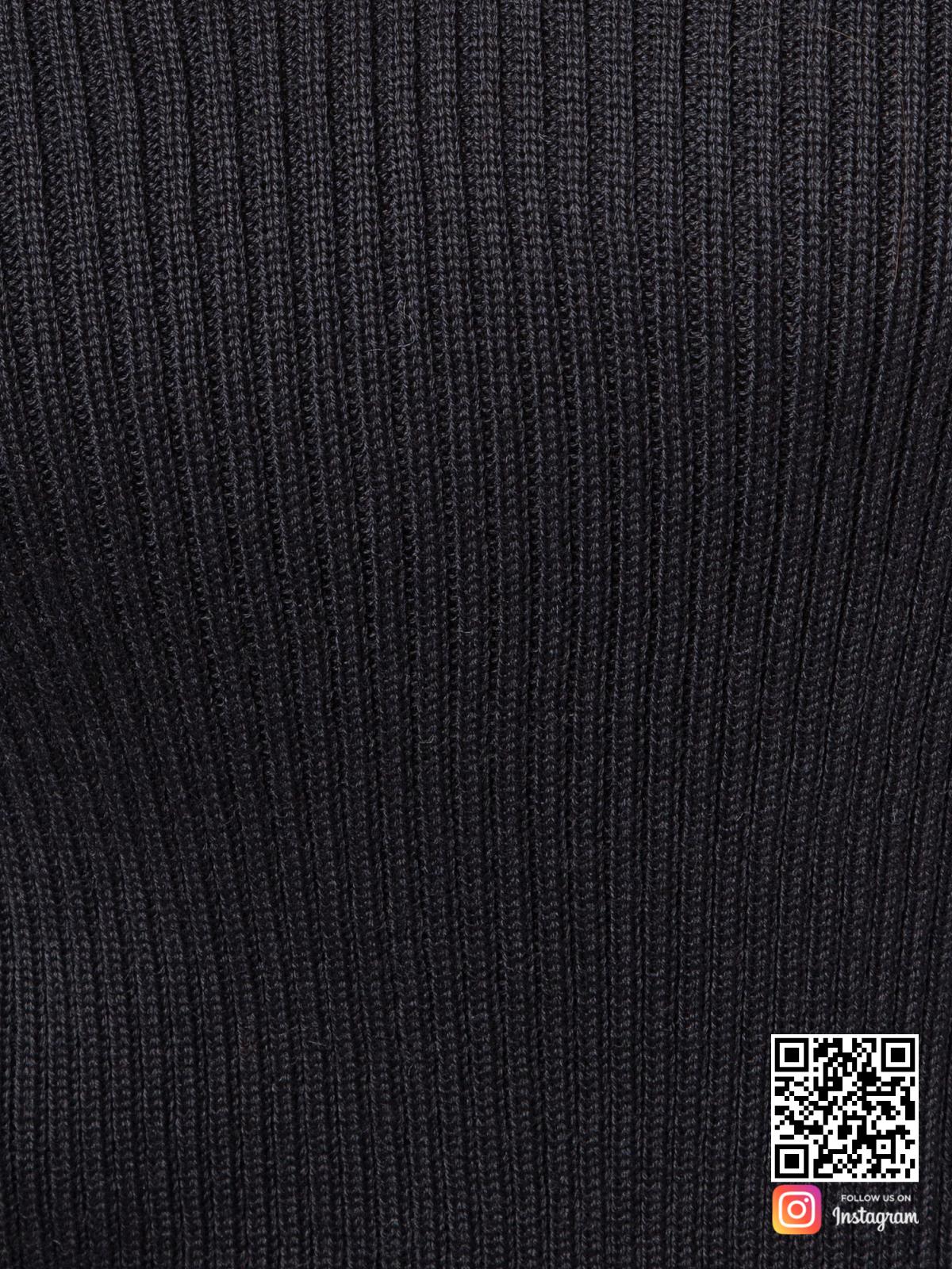 На шестой фотографии джемпер трикотажный женский крупным планом от Shapar, бренда вязаной одежды ручной работы в интернет-магазине связанных спицами вещей.
