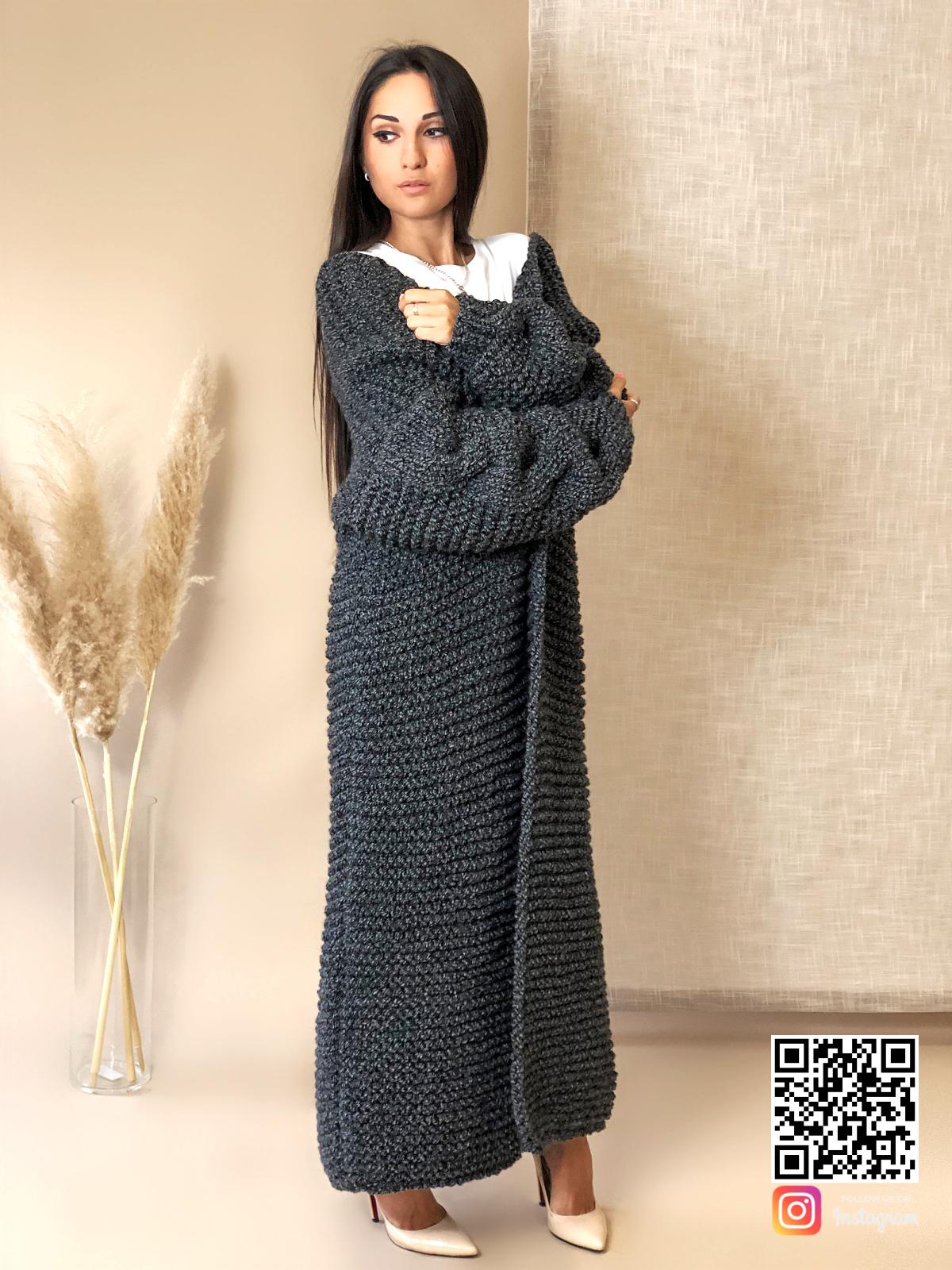 На шестой фотографии элегантный женский кардиган спицами с косой от Shapar, бренда вязаной одежды ручной работы в интернет-магазине связанных вещей.