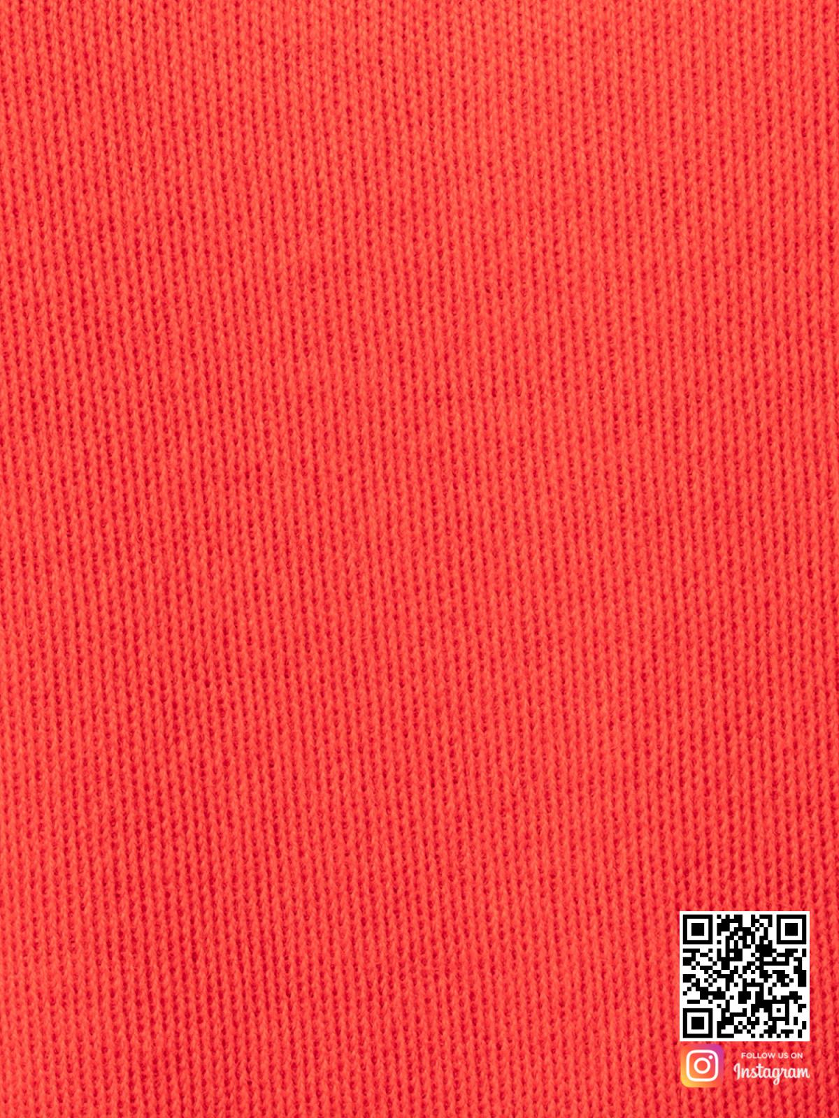 На седьмой фотографии красный костюм женский крупным планом от Shapar, бренда вязаной одежды ручной работы в интернет-магазине связанных спицами вещей.
