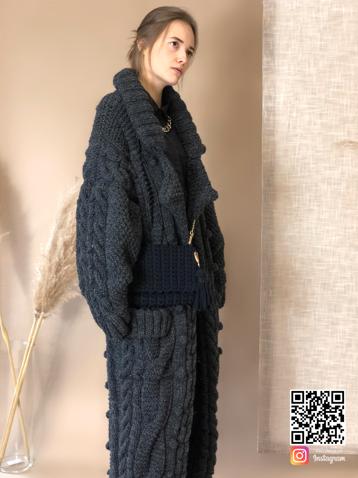 На шестой фотографии женский меланжевый кардиган с карманами от Shapar, бренда вязаной одежды ручной работы в интернет-магазине связанных спицами вещей.