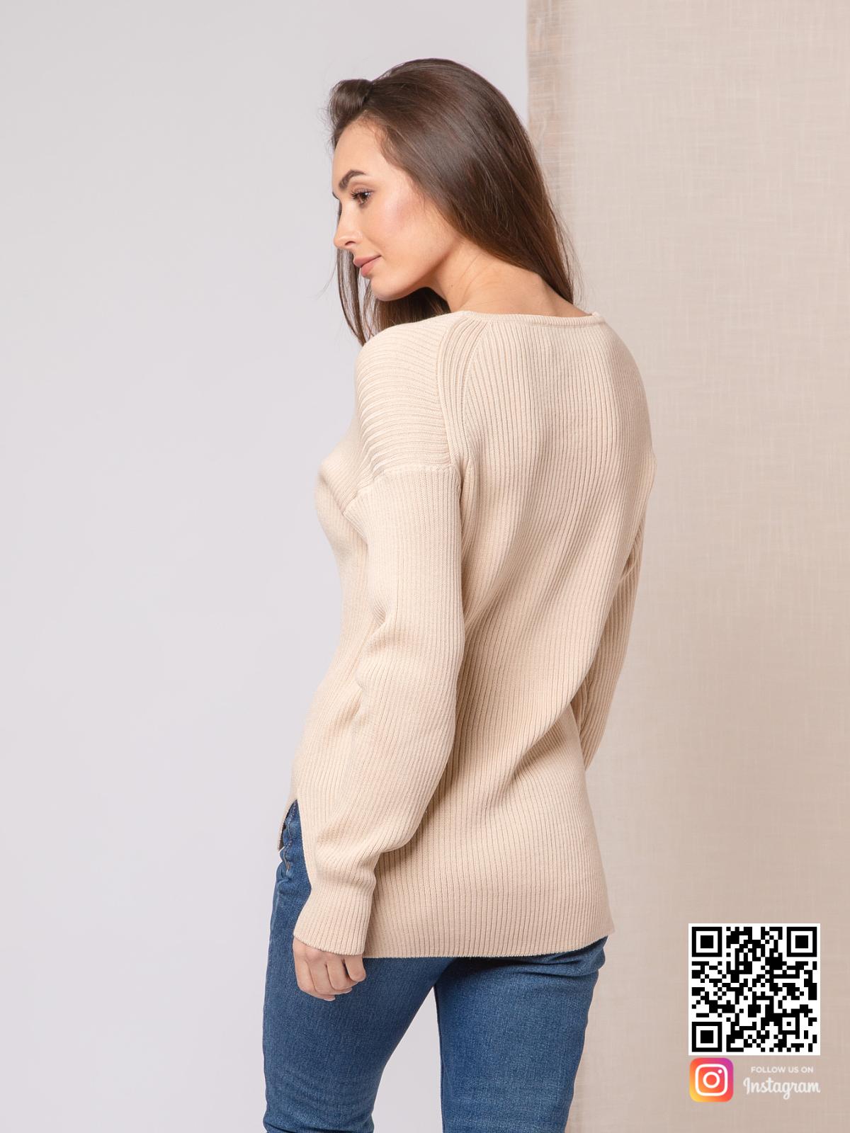 На второй фотографии пуловер тонкий женский со спины от Shapar, бренда вязаной одежды ручной работы в интернет-магазине связанных спицами вещей.